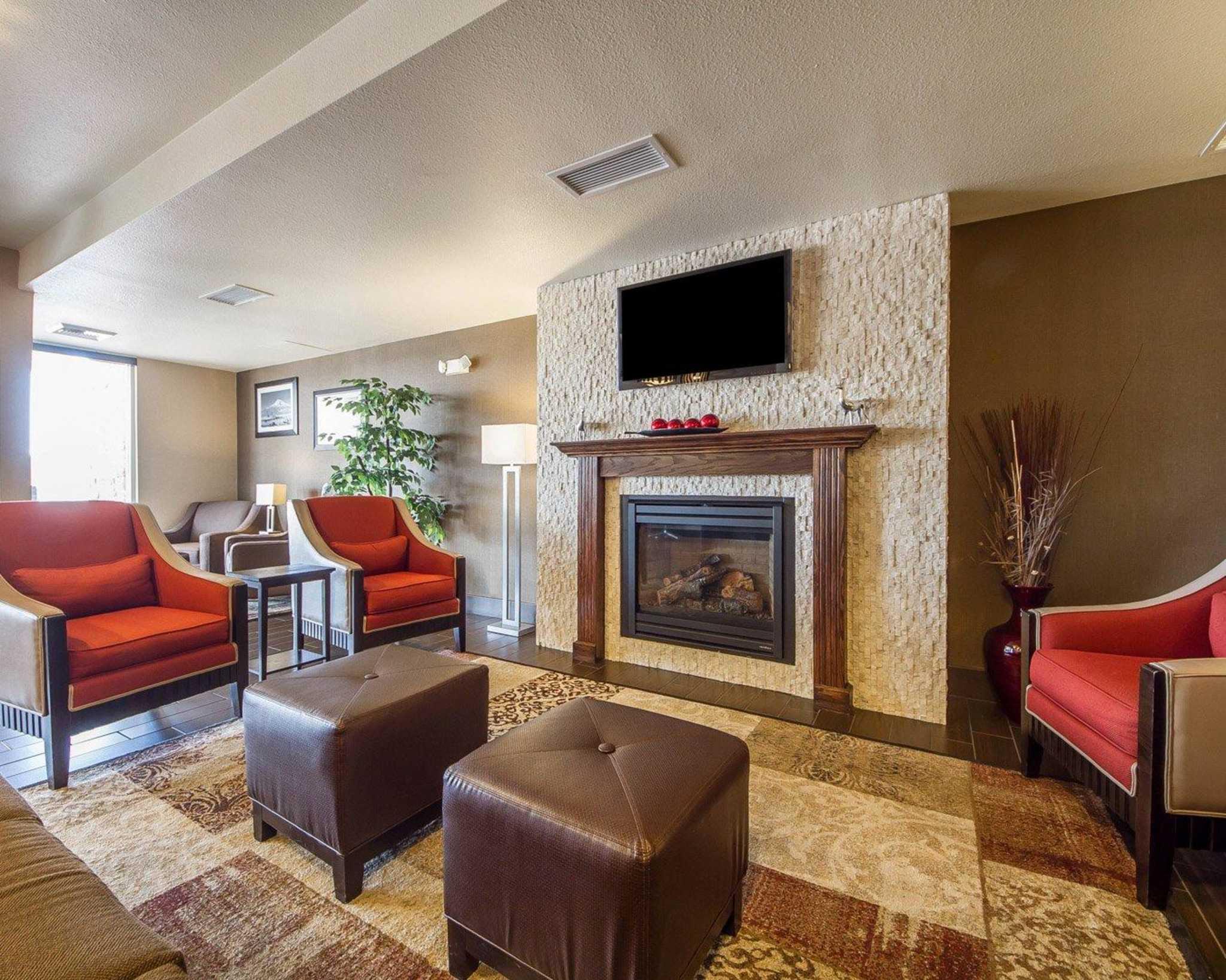 Comfort Suites Redding - Shasta Lake image 10
