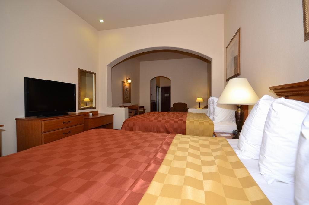 Best Western Casa Villa Suites image 16