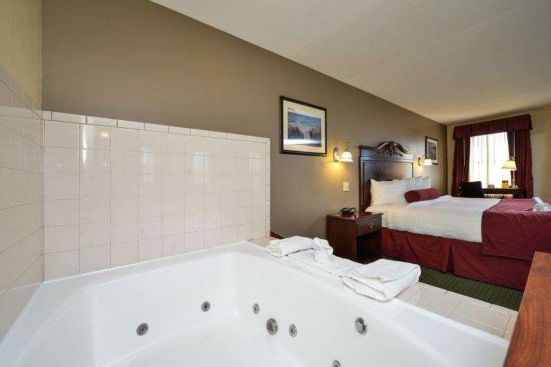 Best Western The Hotel Chequamegon image 27