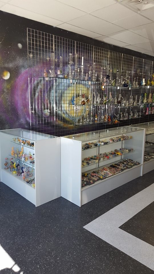 Cloud 9 Smoke Shop image 0