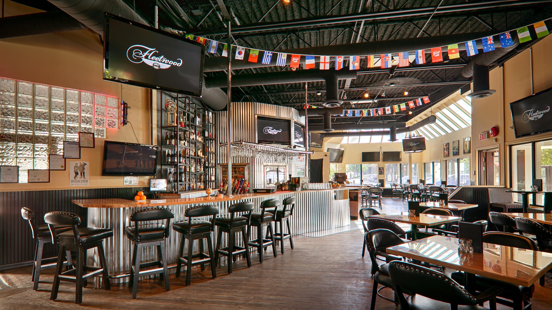Best Western Plus Kelowna Hotel & Suites in Kelowna: Onsite Pub
