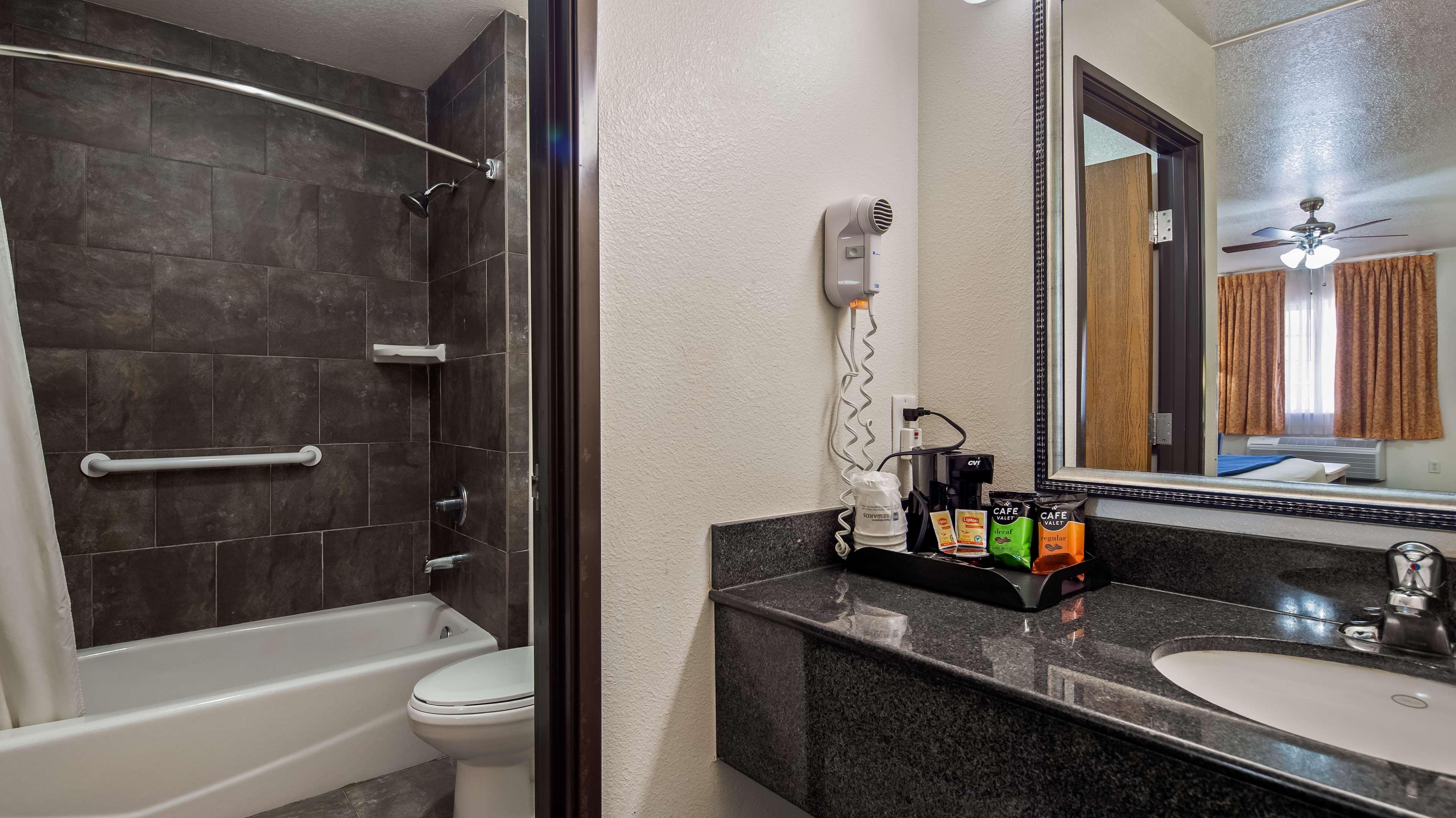 SureStay Hotel by Best Western Falfurrias image 10