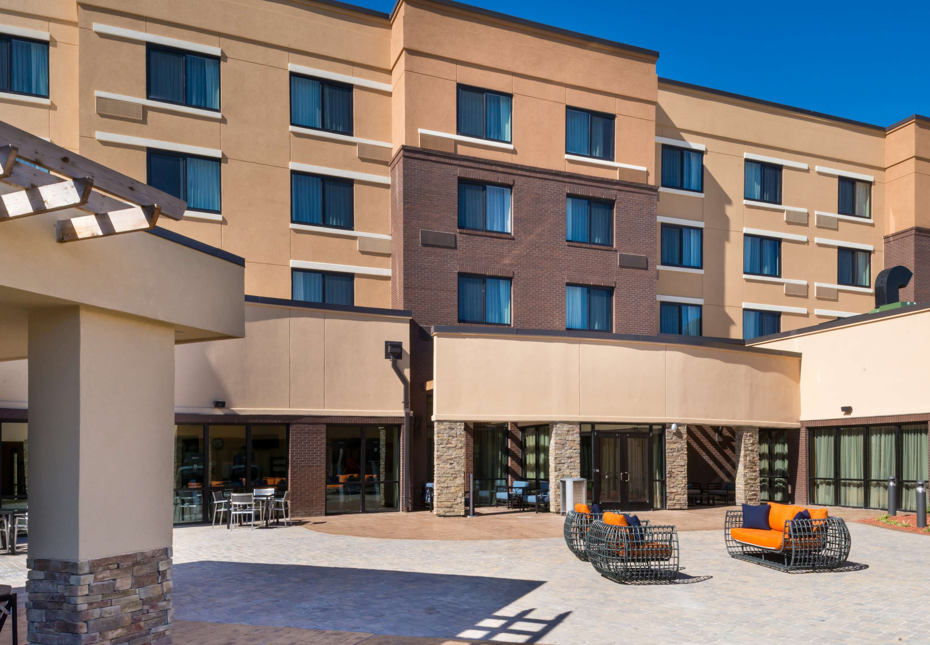 Courtyard by Marriott Jacksonville image 0