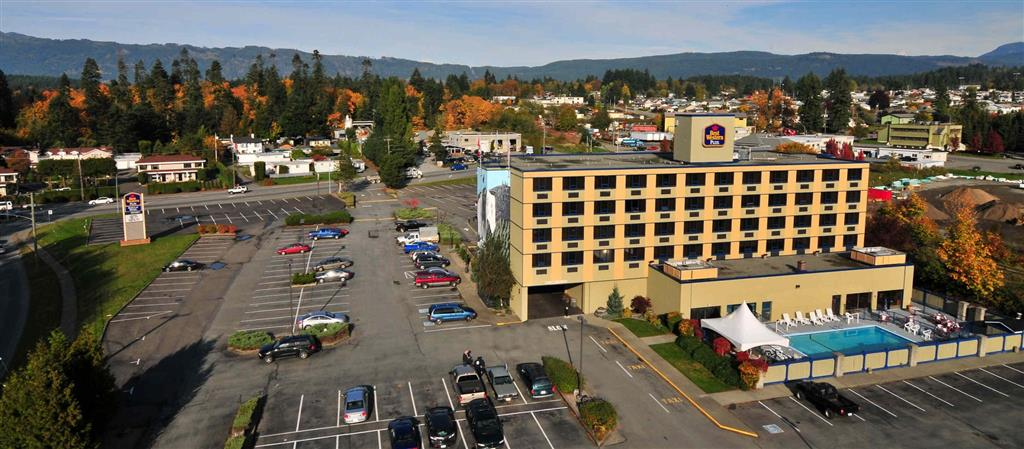 Best Western Plus Barclay Hotel in Port Alberni: Plenty of Free Parking