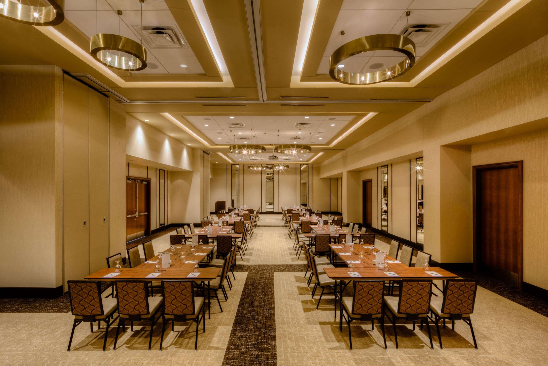 Hilton Garden Inn Virginia Beach Oceanfront image 40