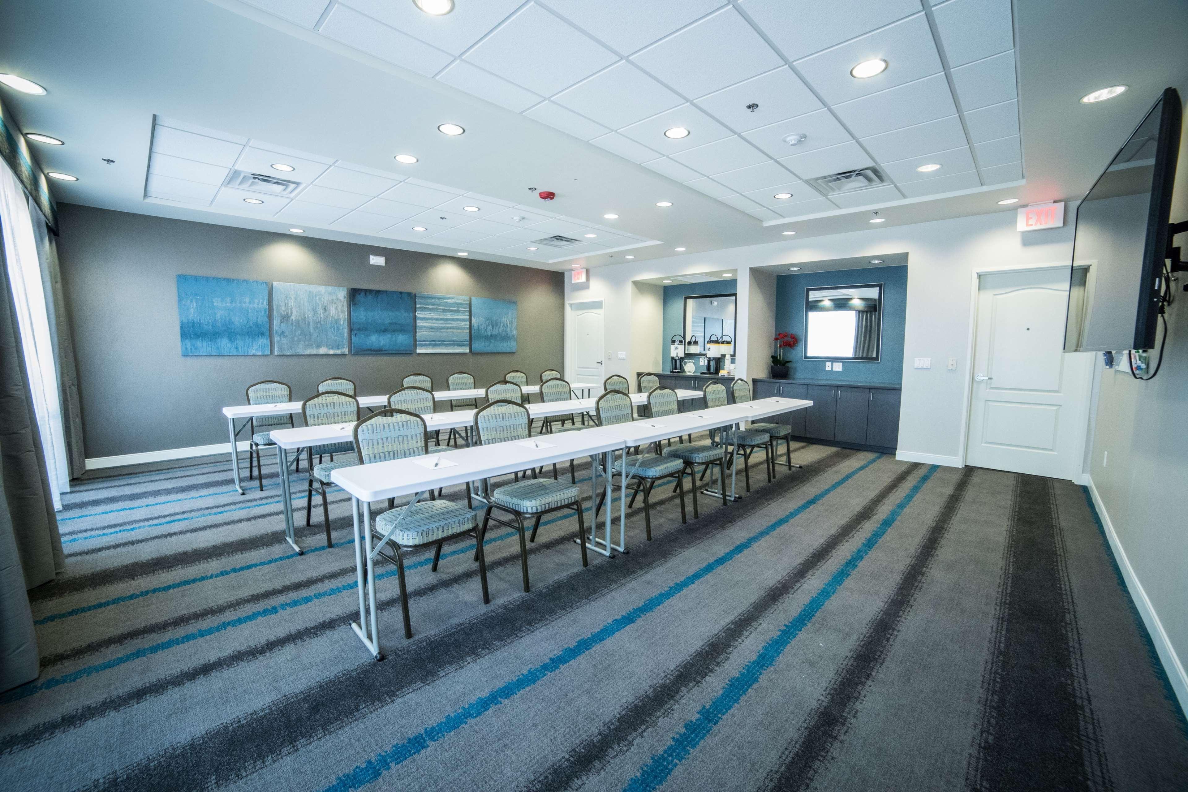 Hampton Inn & Suites Tempe - Phoenix Airport image 47