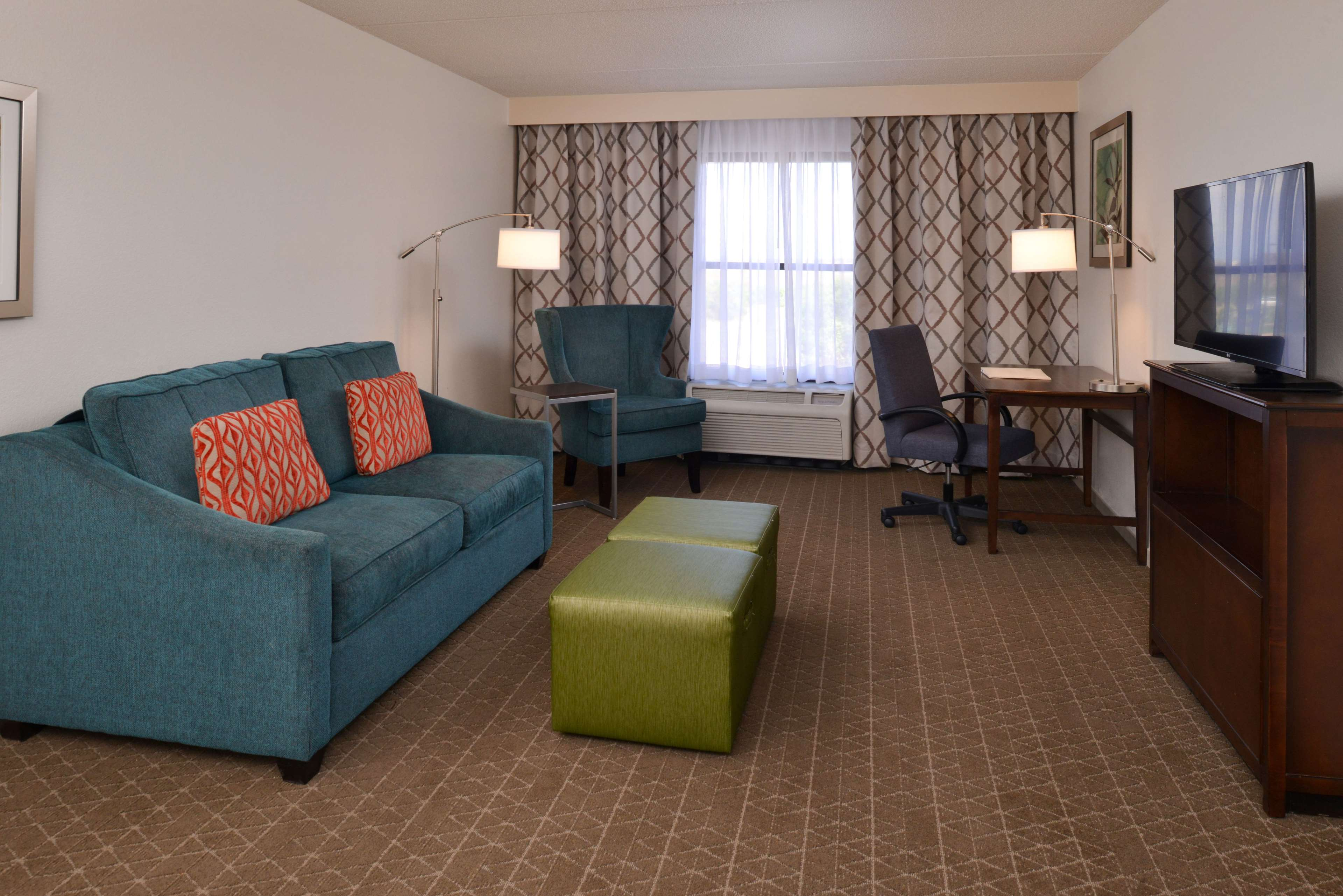 Hampton Inn & Suites Pueblo-Southgate image 27