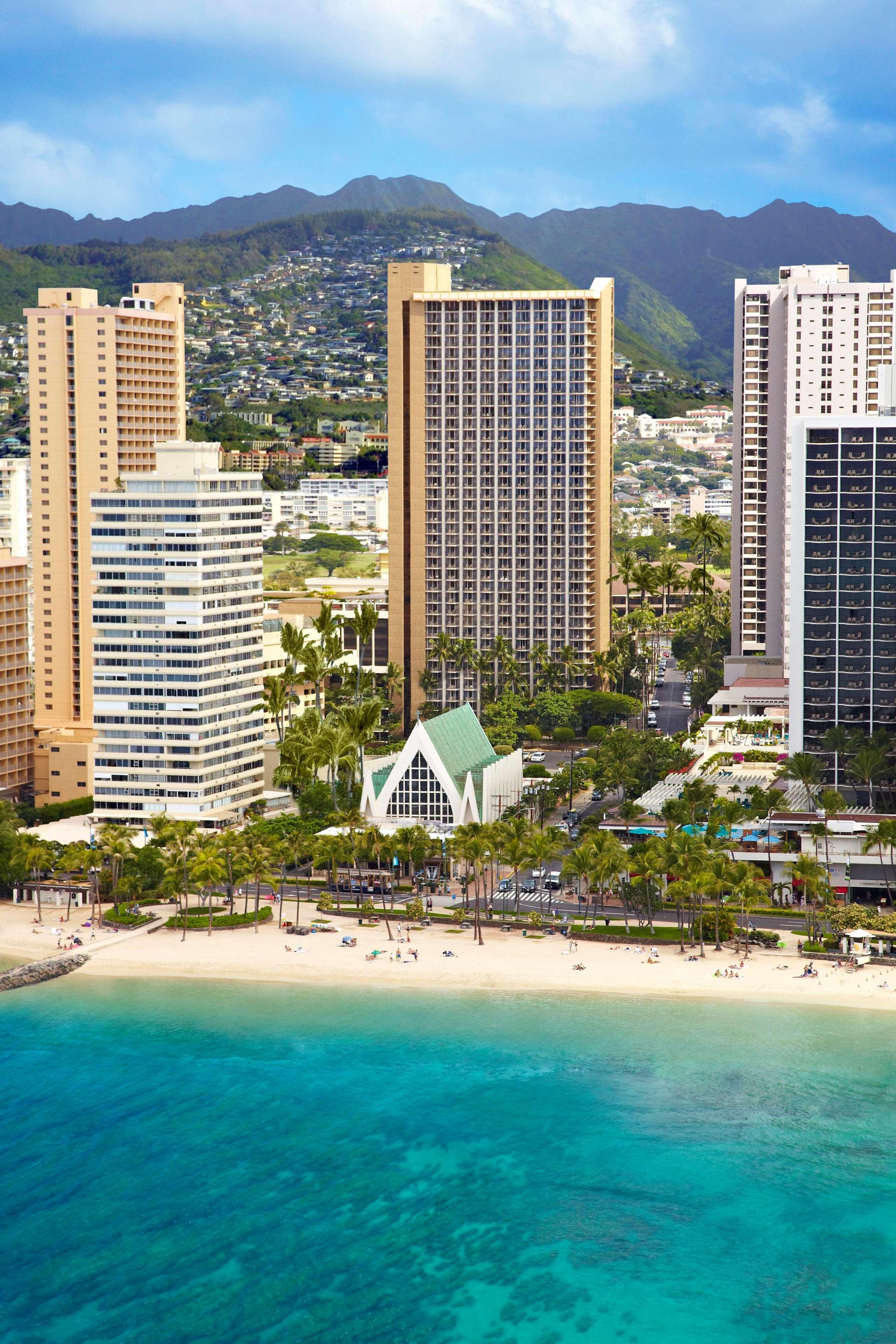 Hilton Waikiki Beach image 21