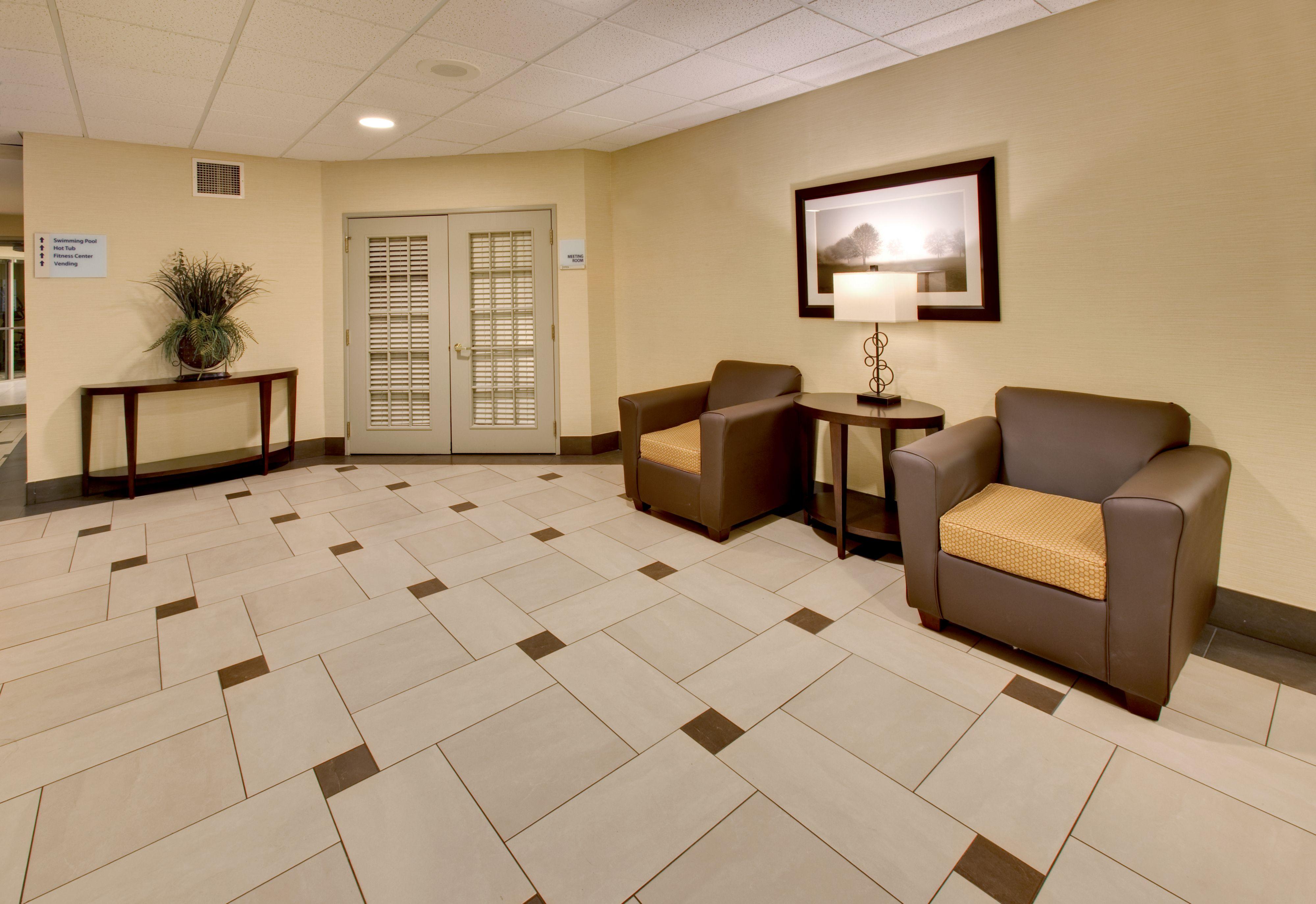 Holiday Inn Express & Suites Pleasant Prairie / Kenosha image 5