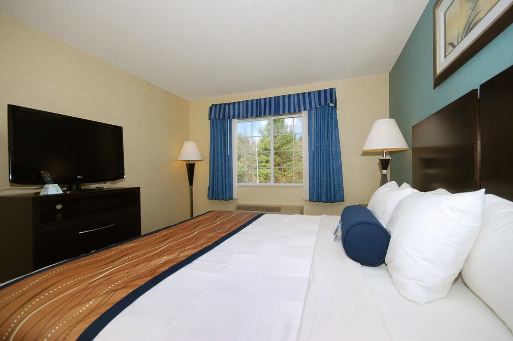 Best Western Plus Berkshire Hills Inn & Suites image 34