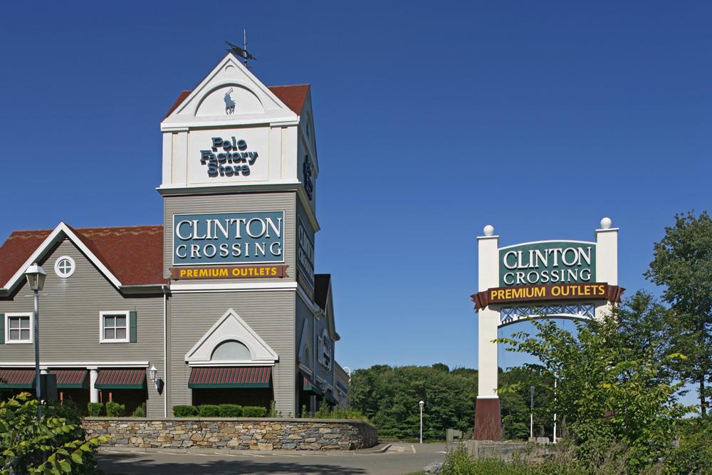 Clinton Crossing Premium Outlets image 15