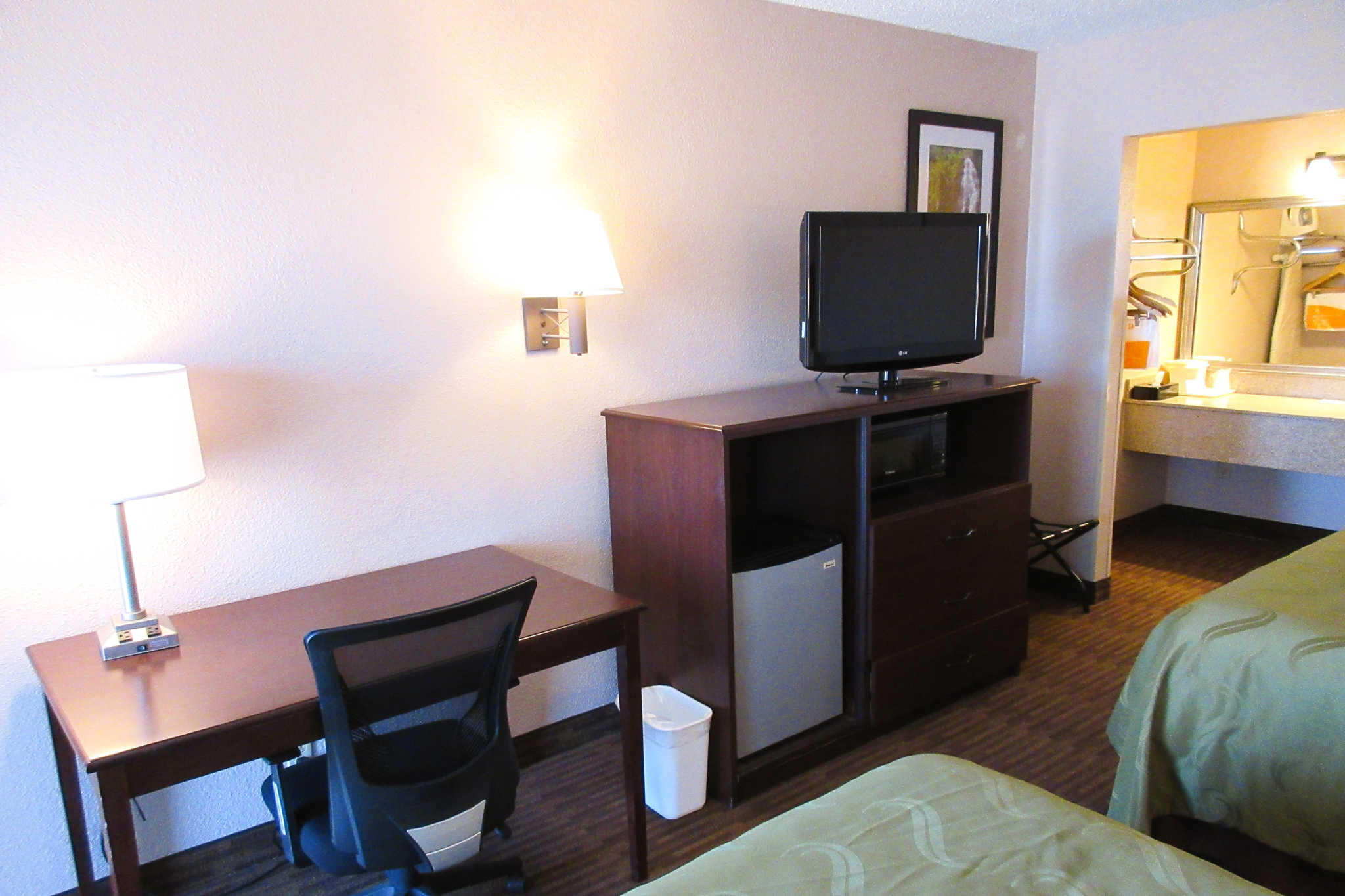 Quality Inn & Suites Lawrence - University Area image 15