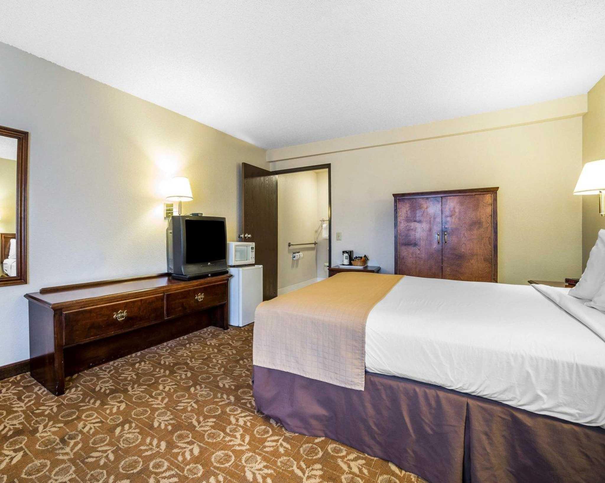 Quality Inn & Suites Minden US-395 image 4
