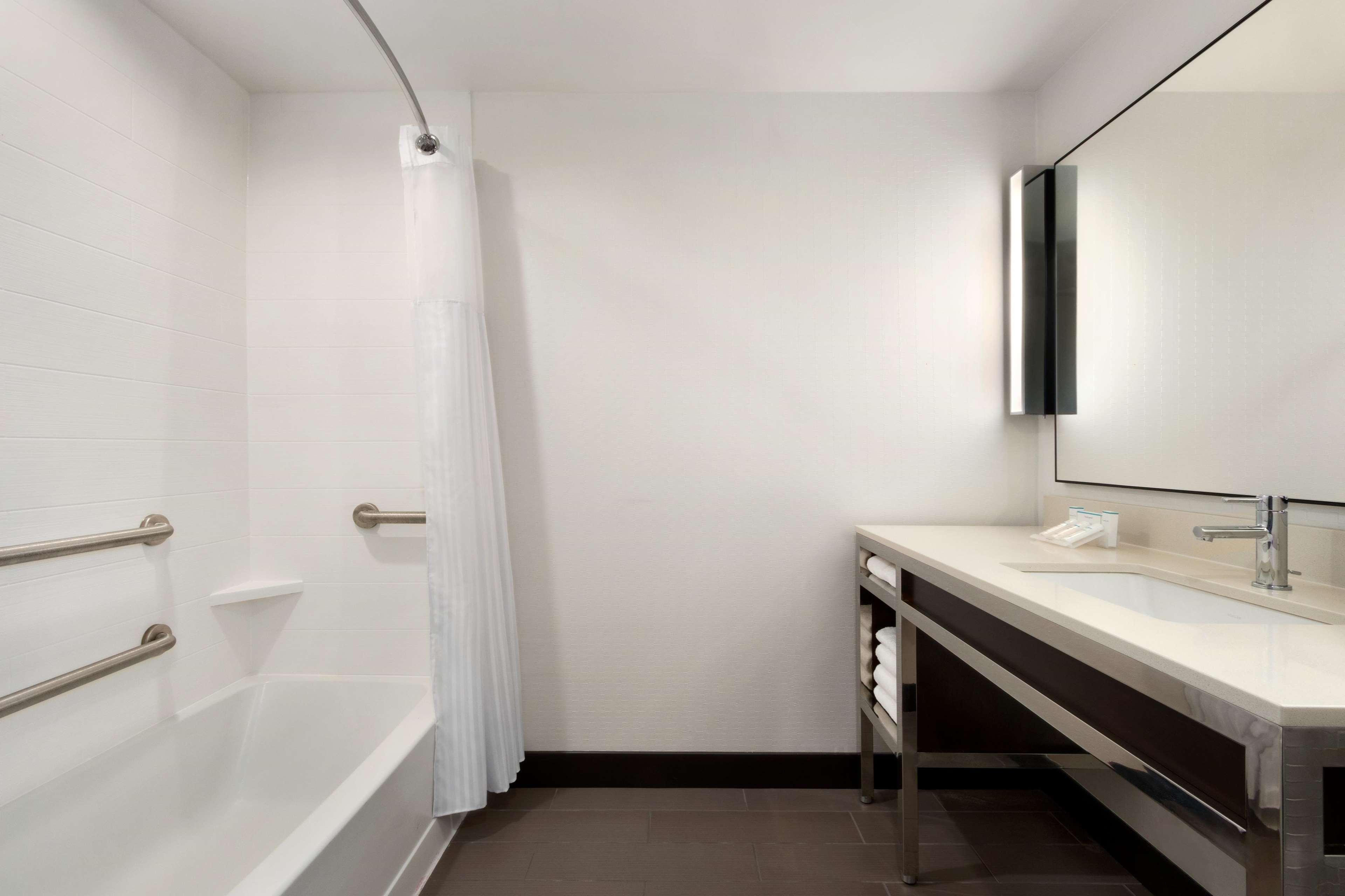 Hilton Garden Inn Medford image 24