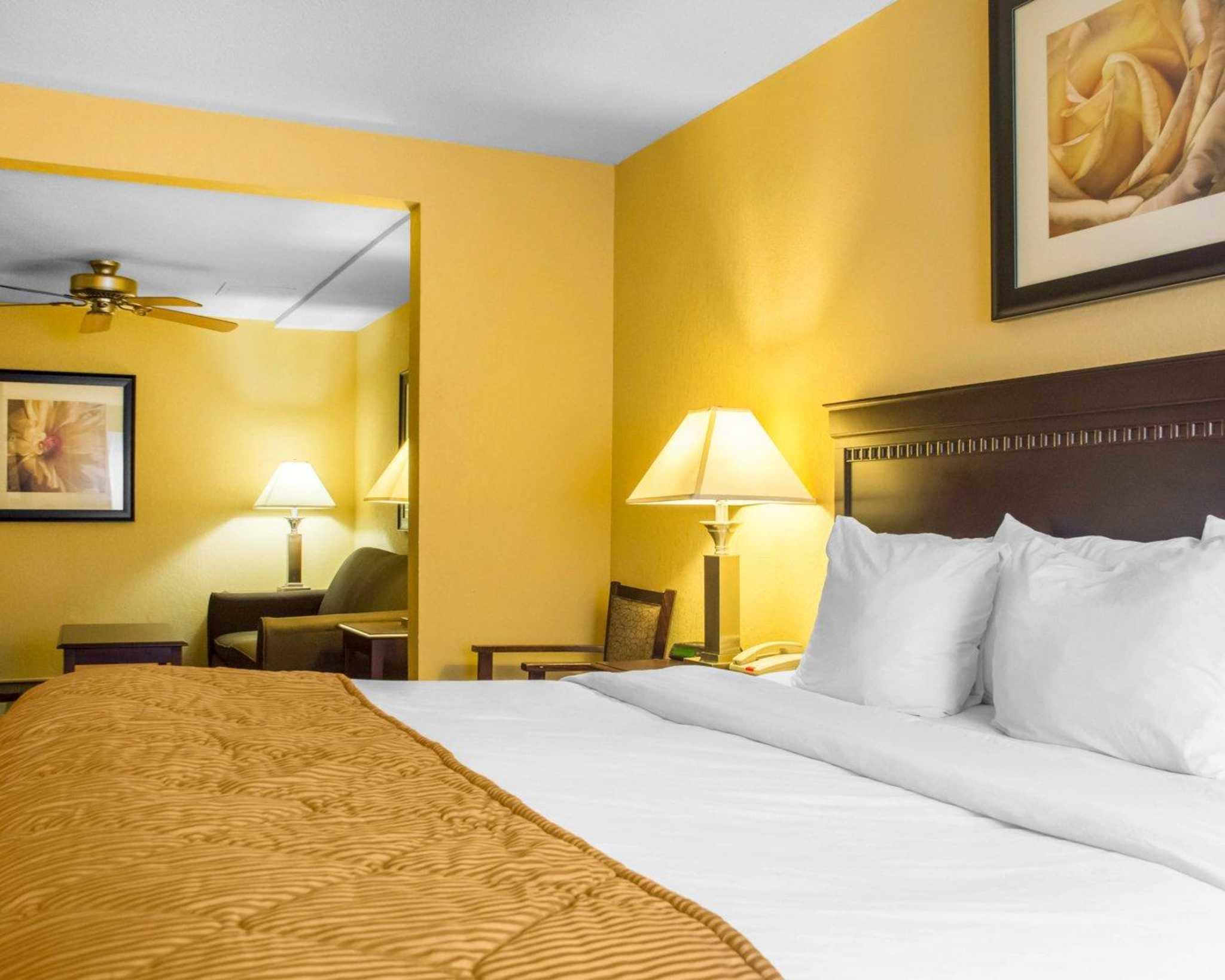 Quality Inn & Suites Fairgrounds image 14