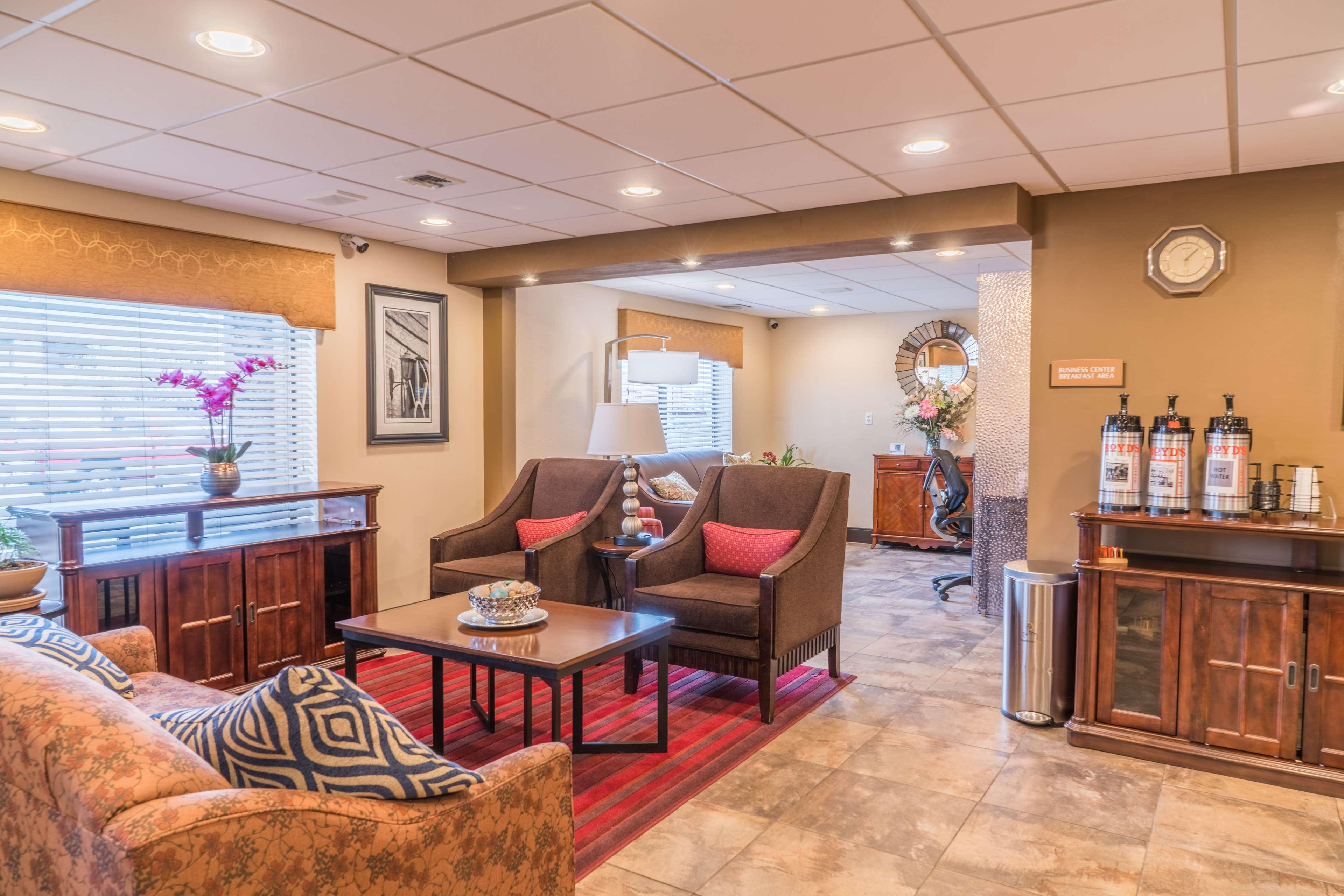 Best Western Inn & Suites image 2