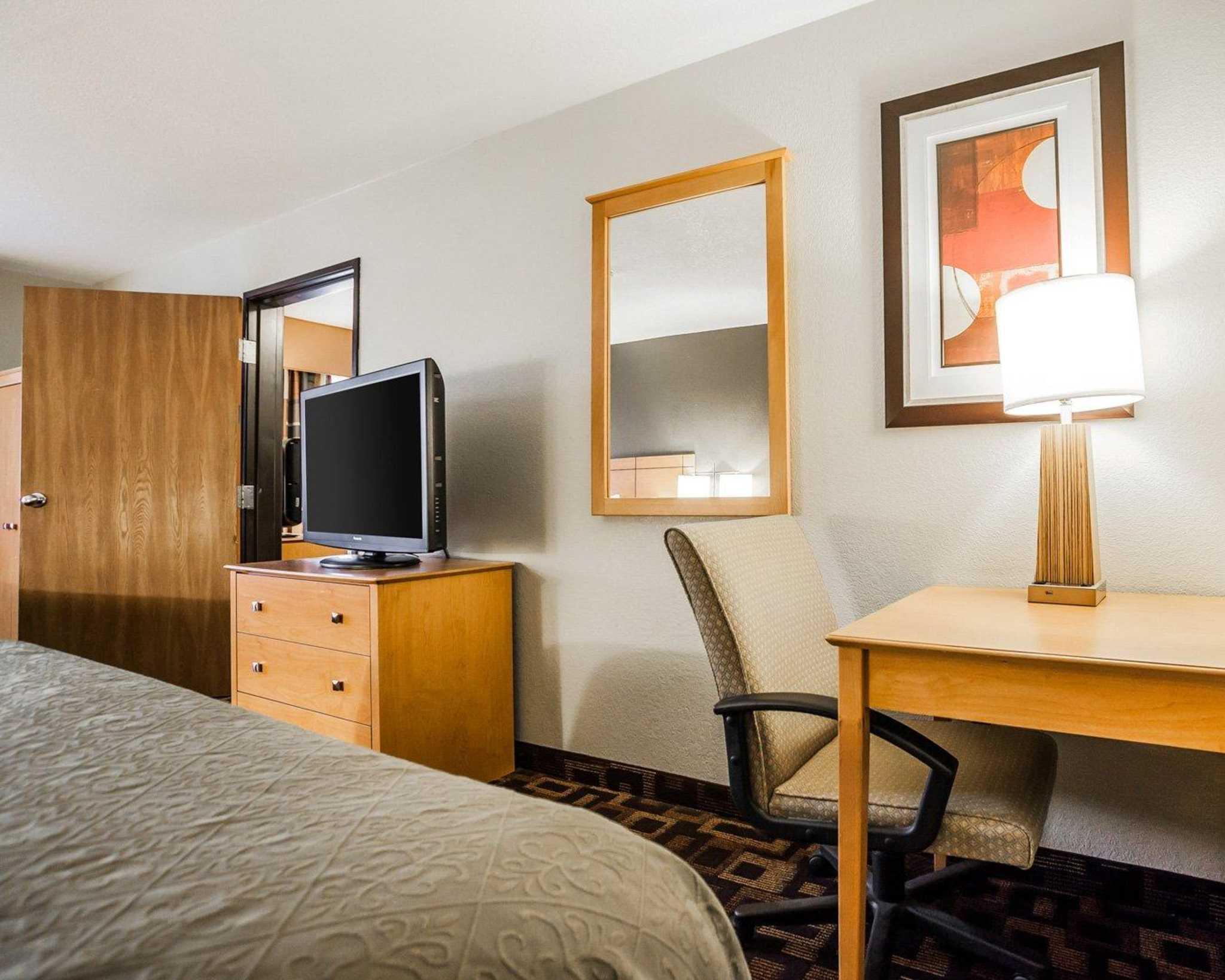 Quality Inn & Suites Des Moines Airport image 26