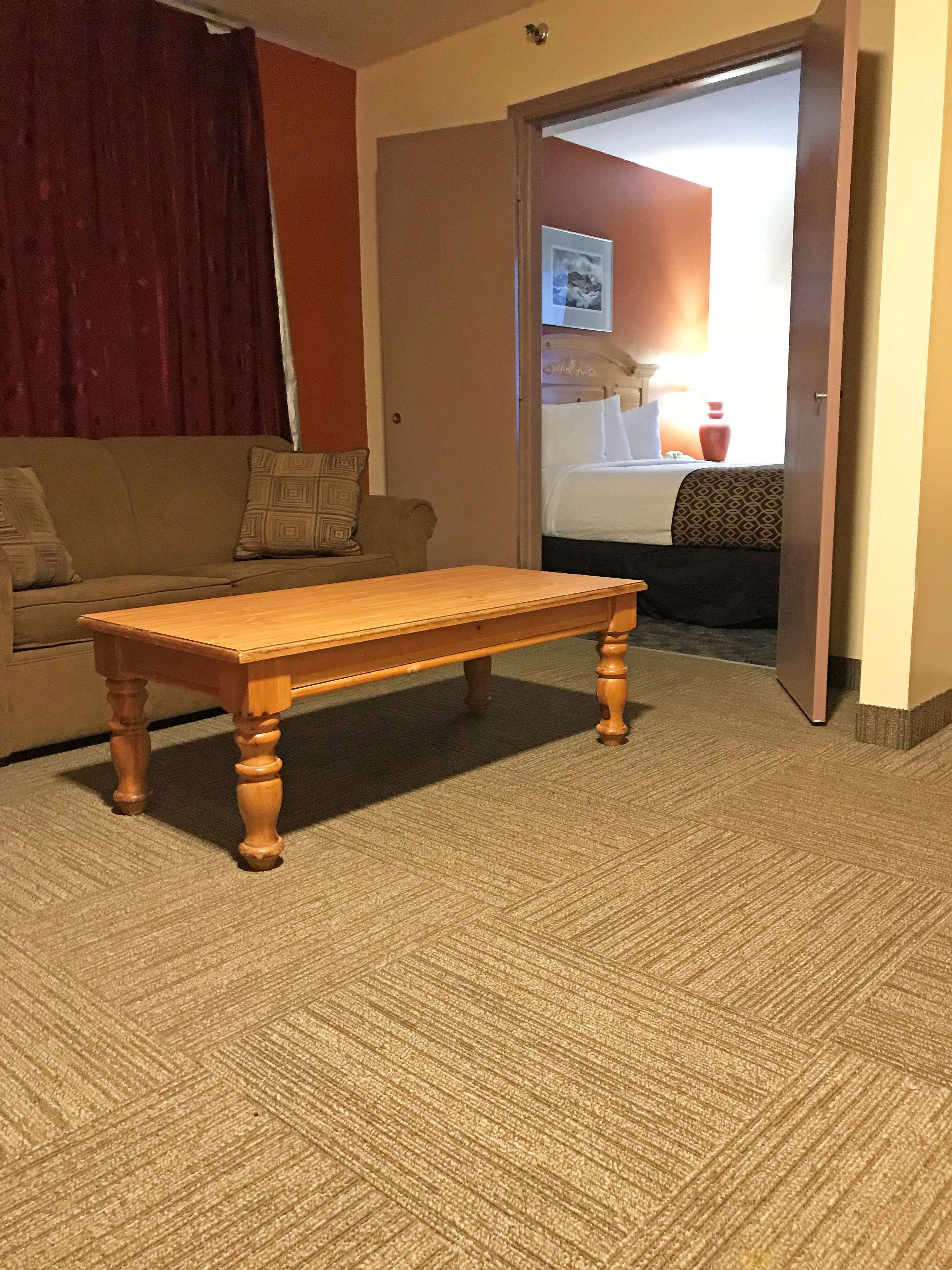 Americas Best Value Inn-Executive Suites / Airport Anchorage image 7