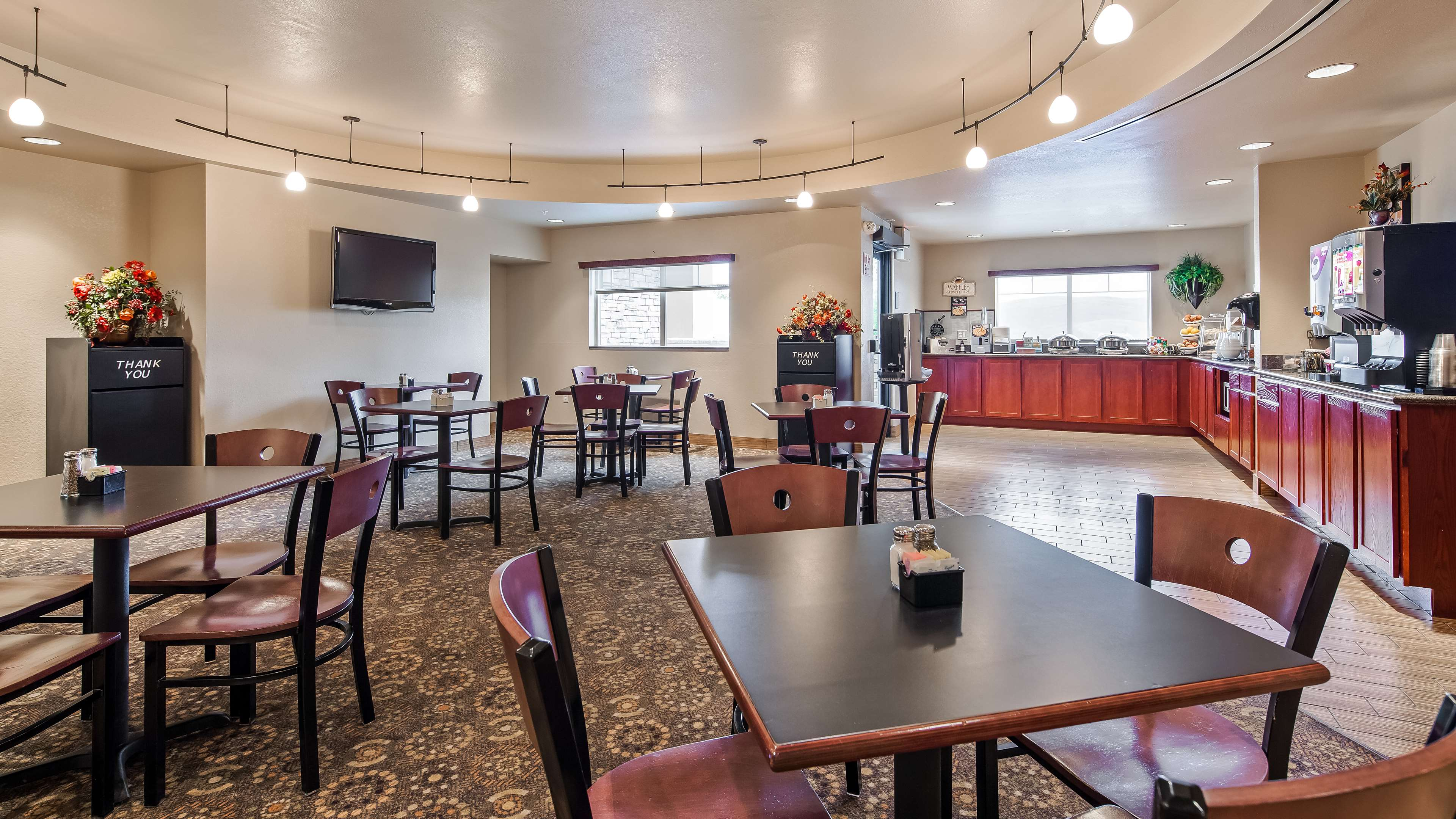Best Western Plus Fossil Country Inn & Suites image 1