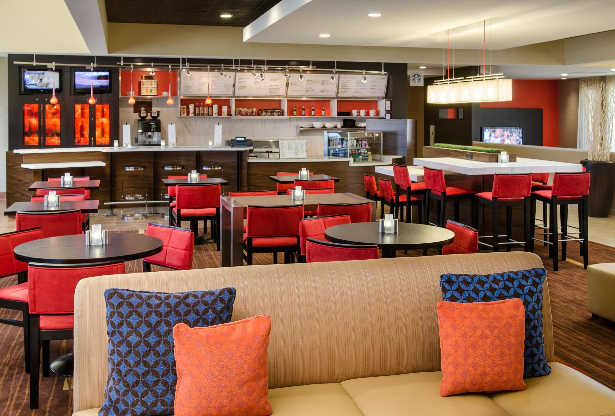 Courtyard by Marriott Charlotte Arrowood image 3