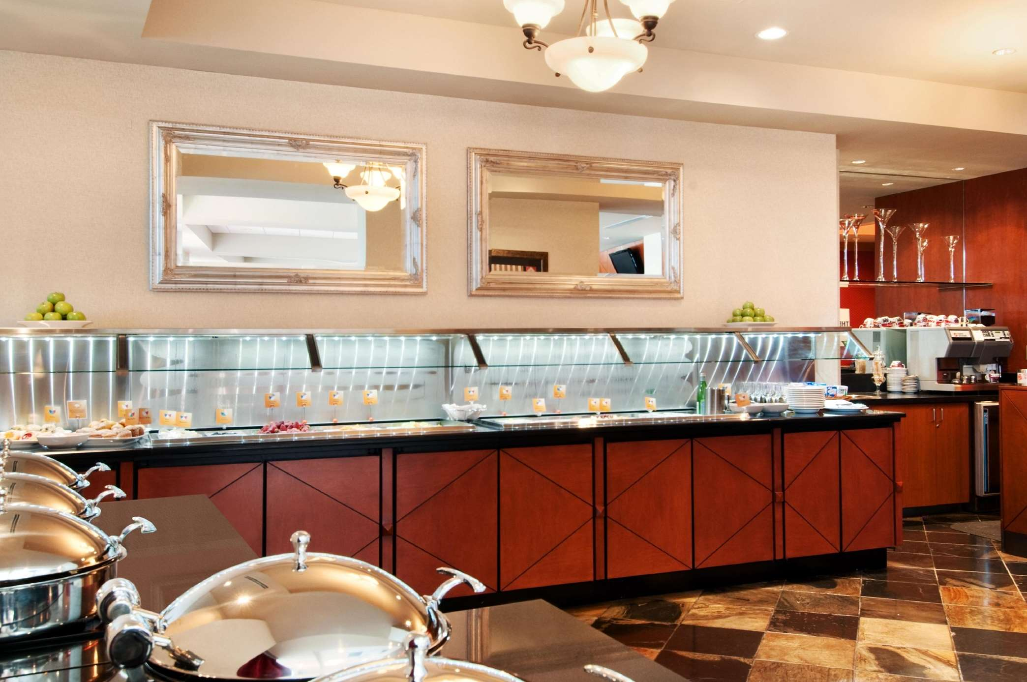 Hilton Vancouver Metrotown in Burnaby: Reflect Buffet