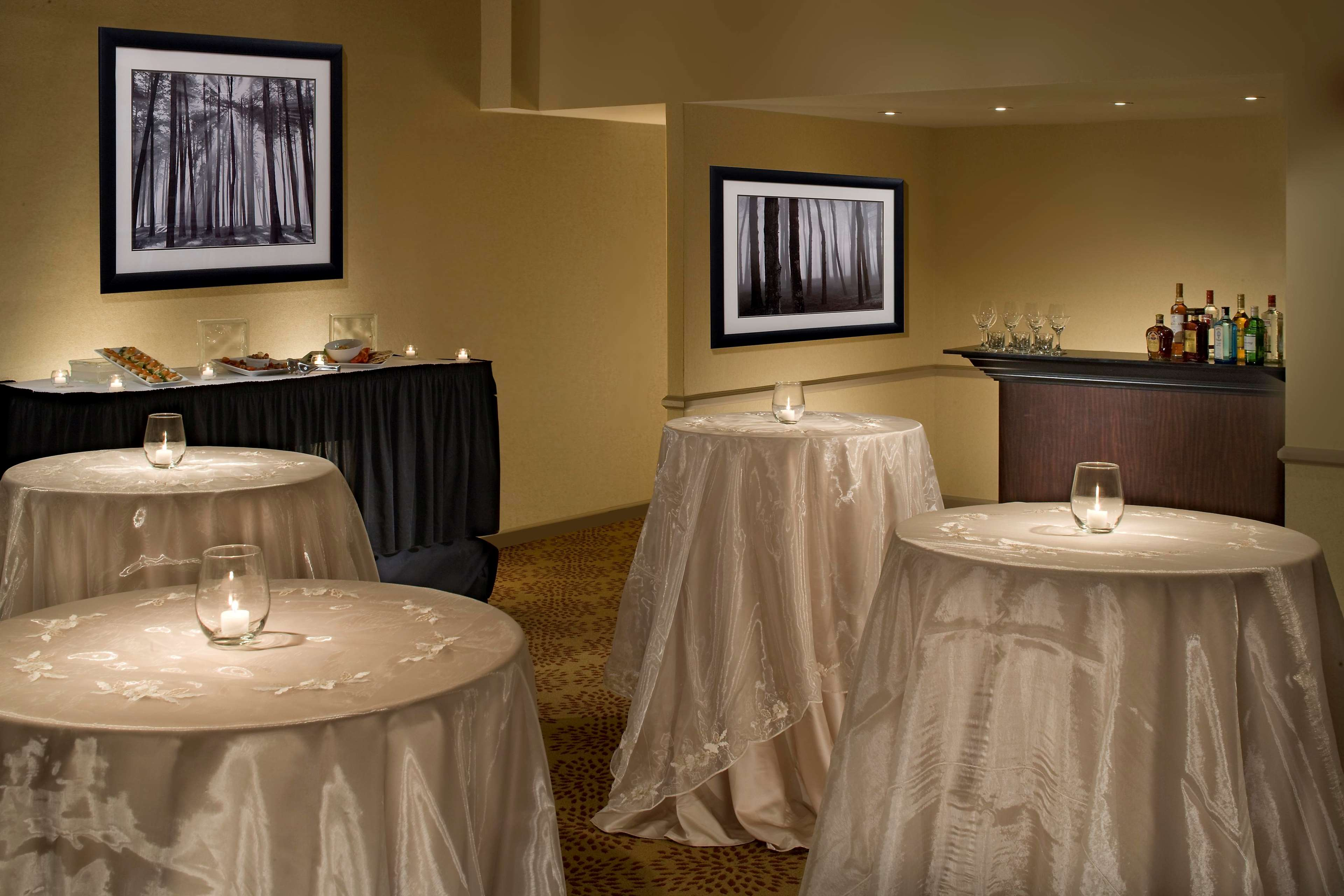 DoubleTree by Hilton Hotel Pittsburgh - Monroeville Convention Center image 20