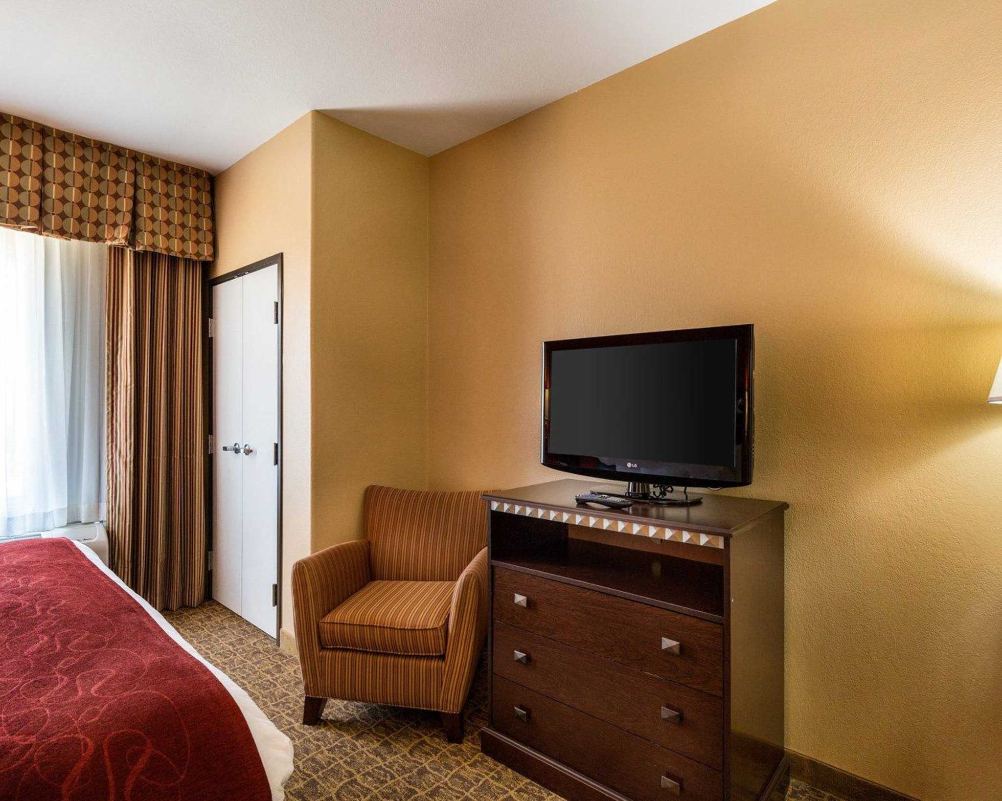 Comfort Suites Pearland - South Houston image 19