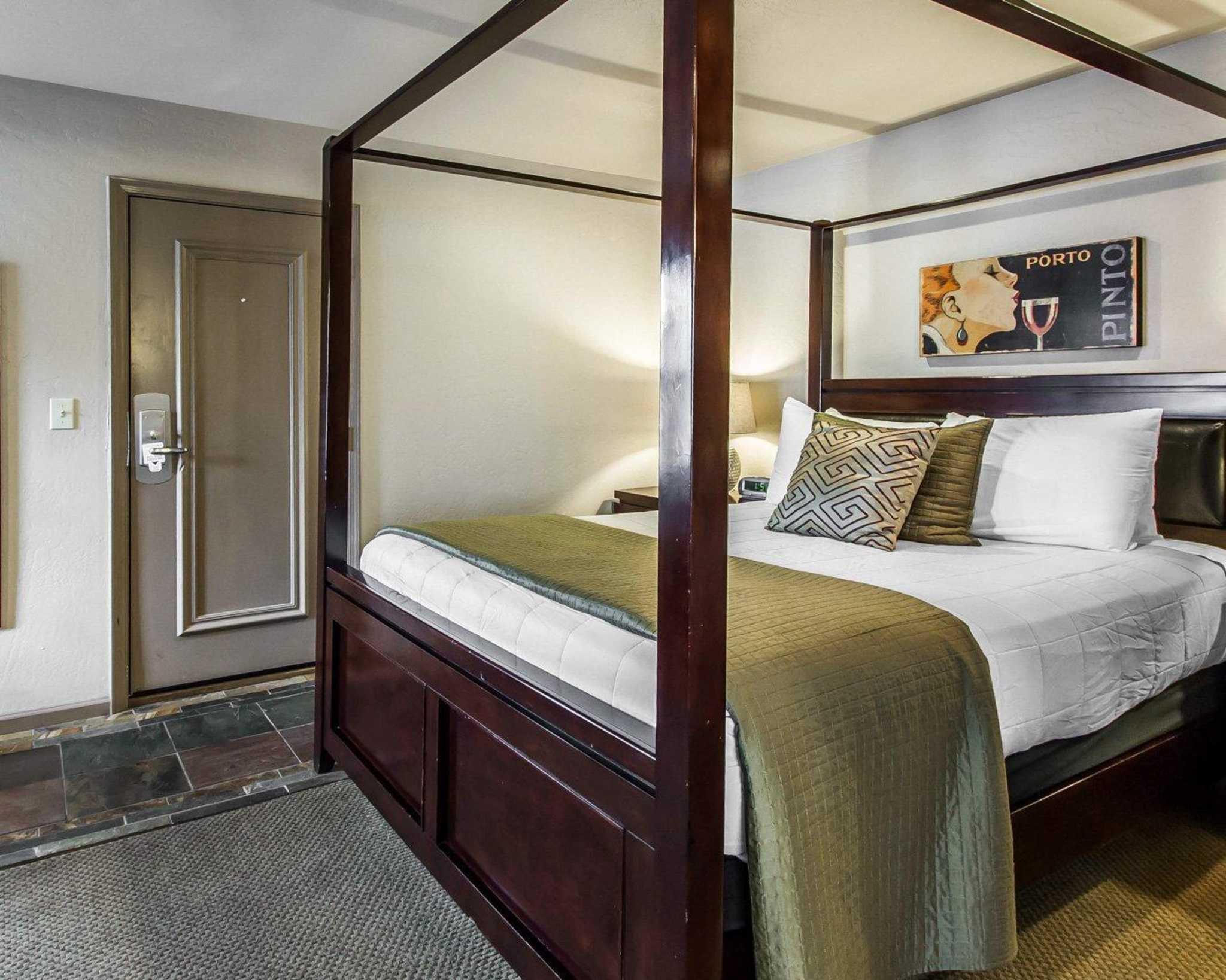 Rodeway Inn & Suites Downtowner-Rte 66 image 29