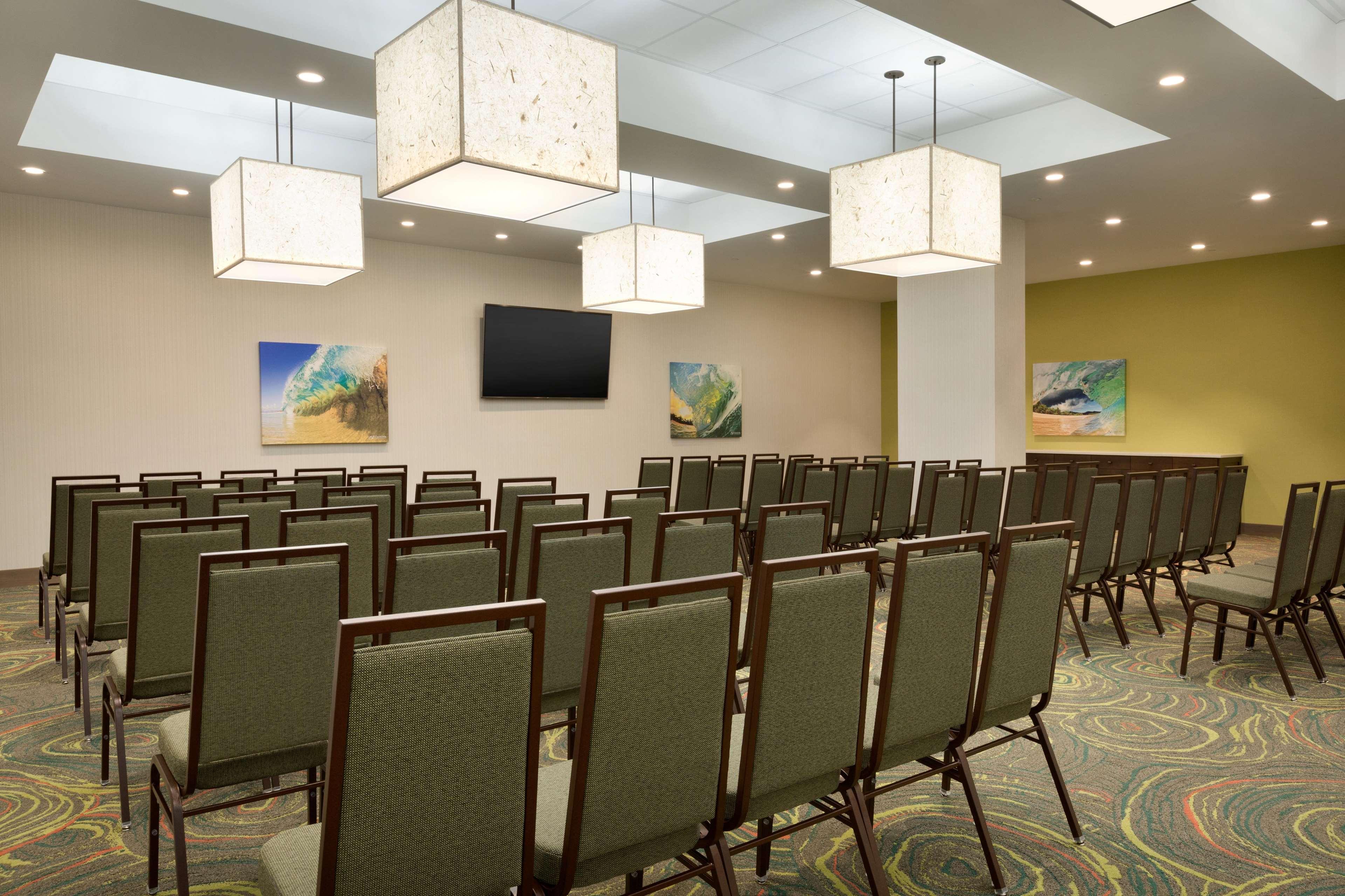 Embassy Suites by Hilton Oahu Kapolei image 43
