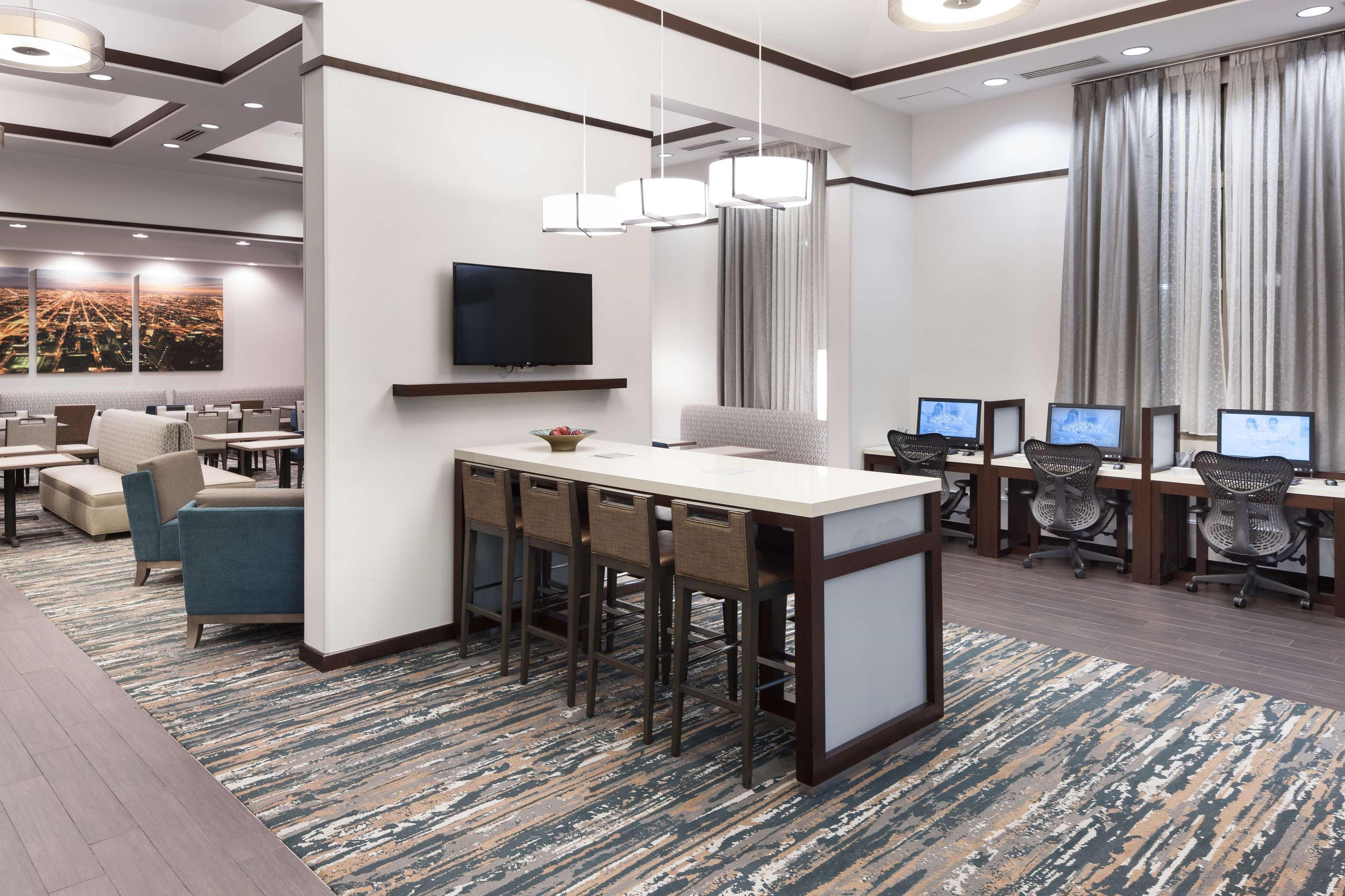 Hampton Inn & Suites Chicago-North Shore/Skokie image 24