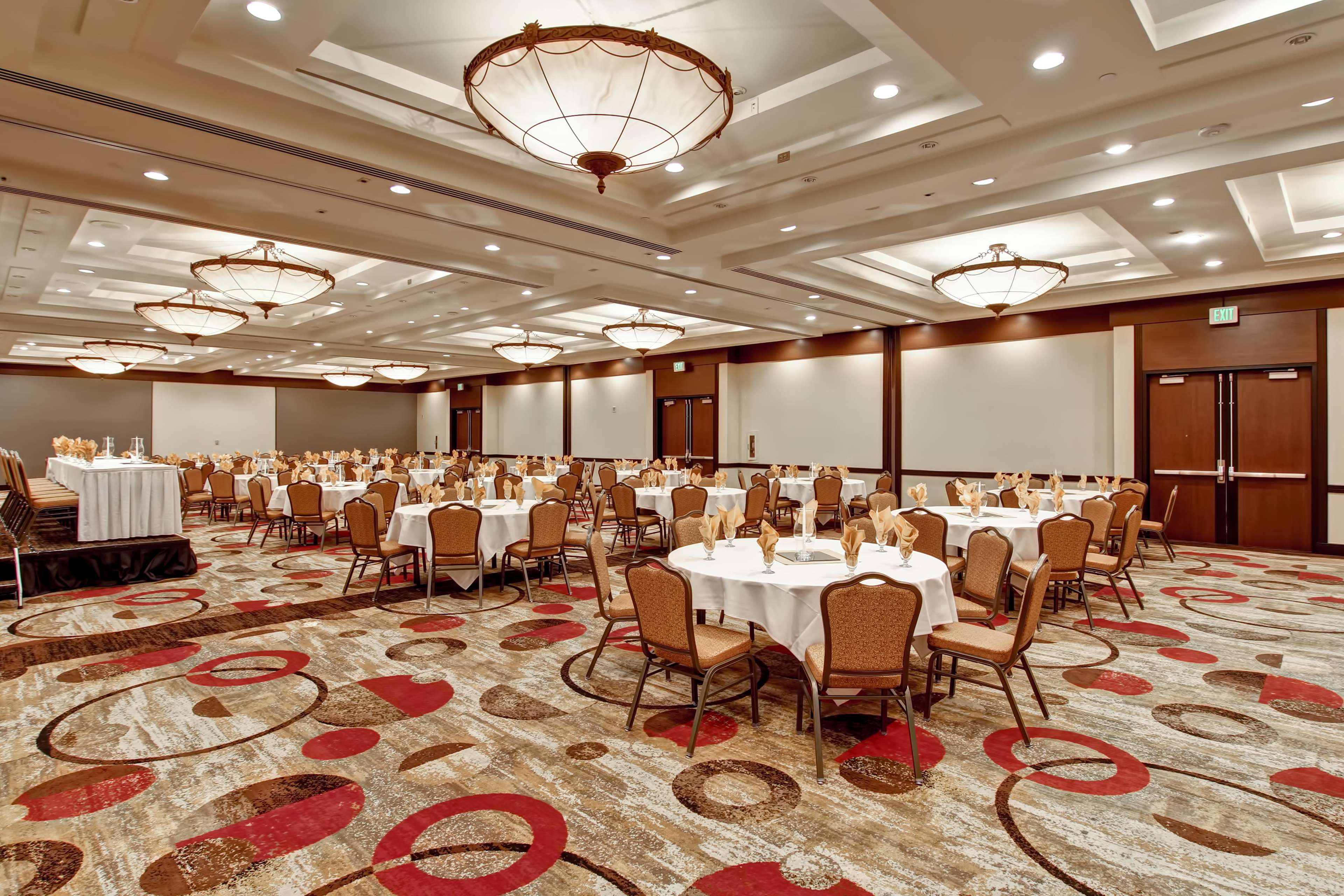 DoubleTree by Hilton Hotel Pleasanton at the Club image 48