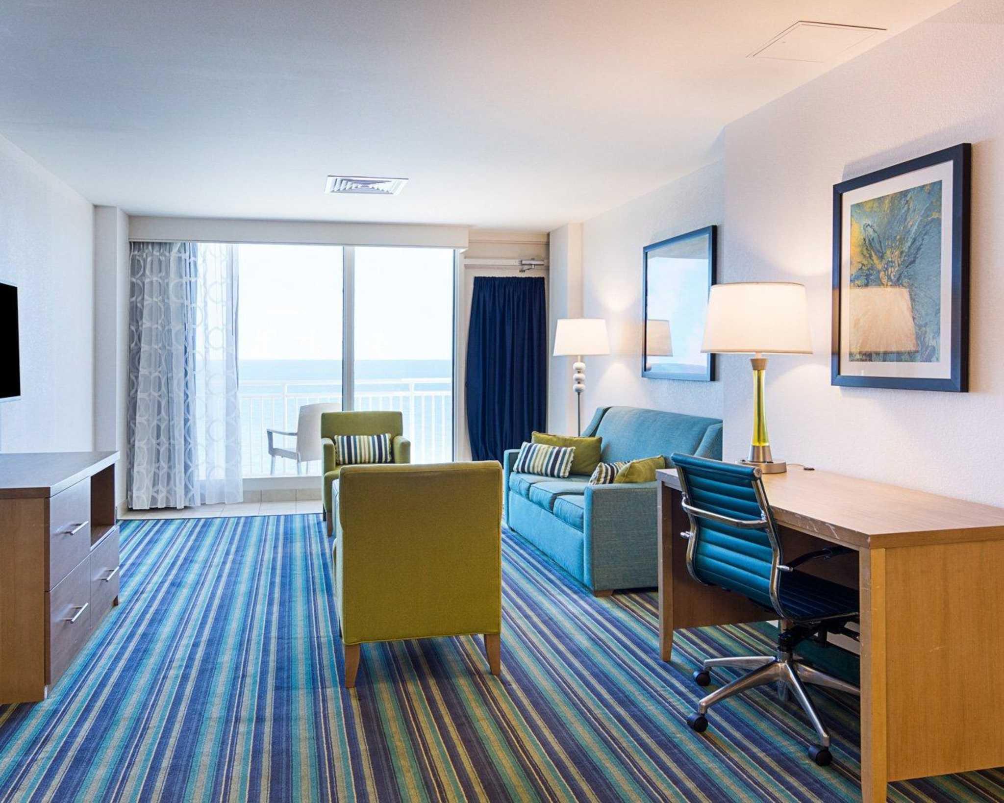 Comfort Suites Beachfront image 29