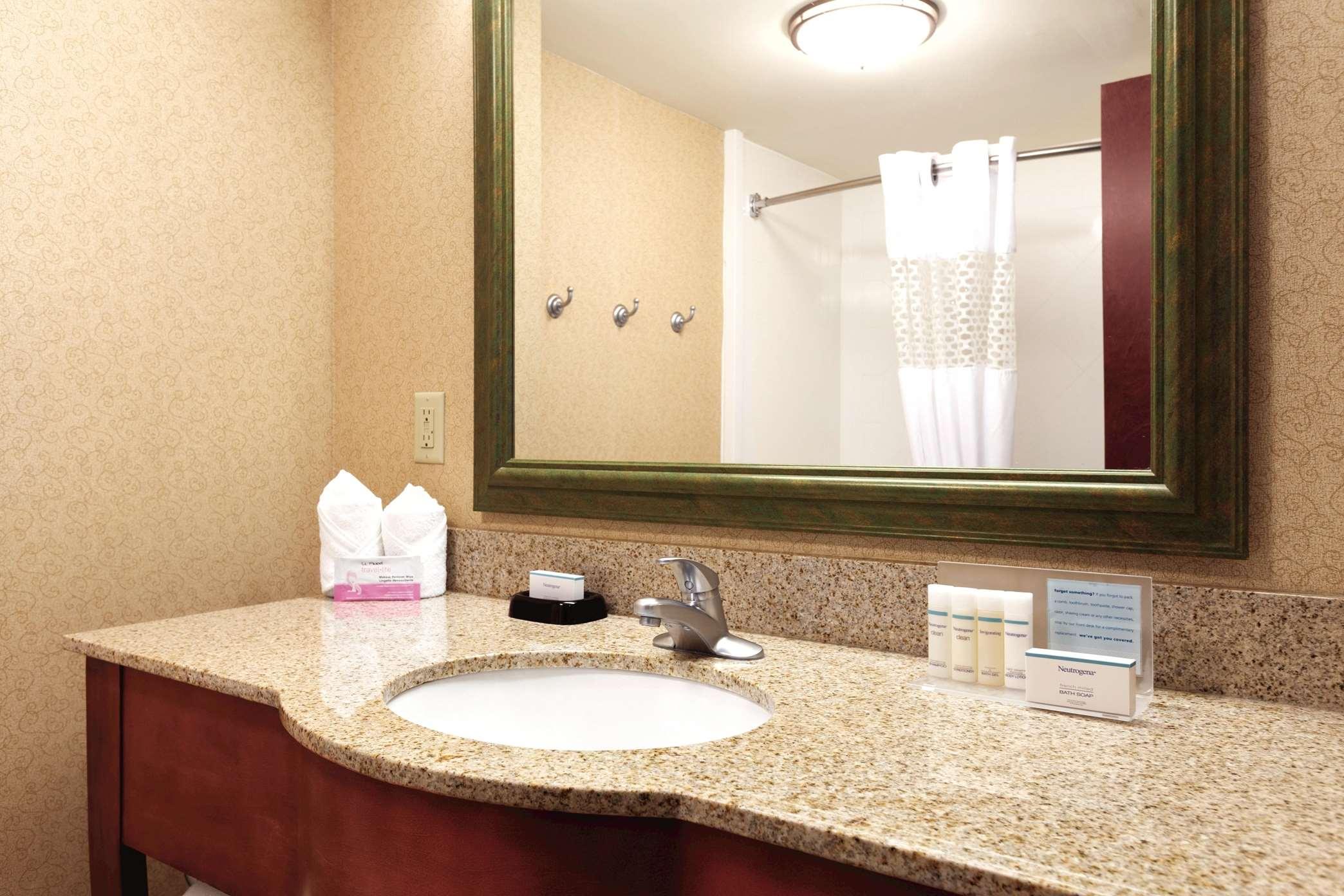 Hampton Inn & Suites Greenfield image 38