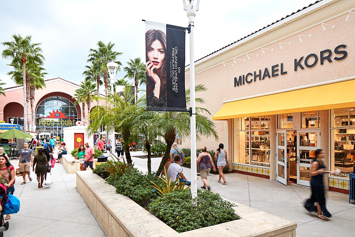 Featuring of your favorite brands under one roof. Orlando International Premium Outlets is the largest outlet center in the southeast. Come experience brands like Last Call by Neiman Marcus, Nike Factory Store, Saks Fifth Avenue Off 5th, Victoria's Secret and more.