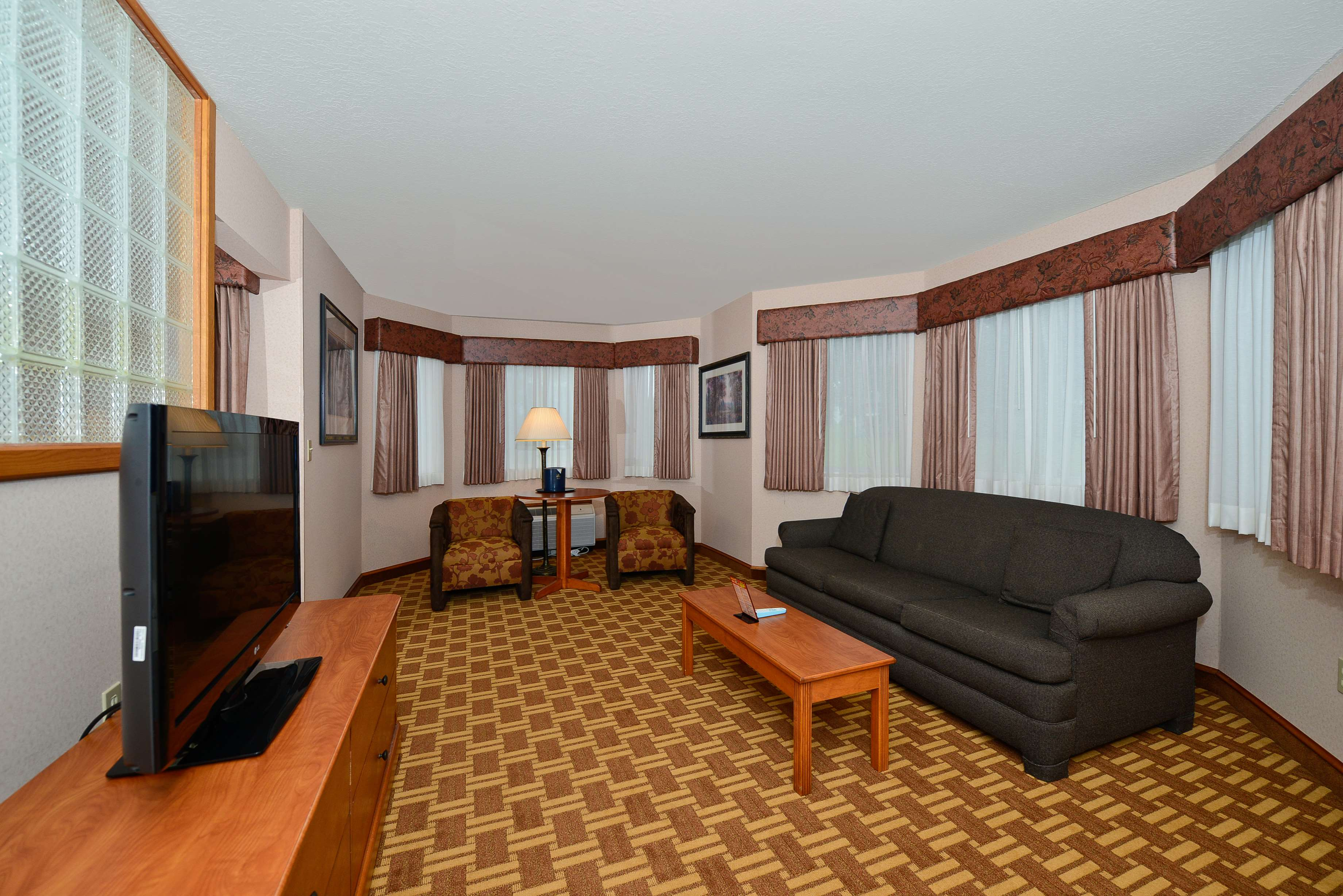 Best Western Harbour Pointe Lakefront image 20