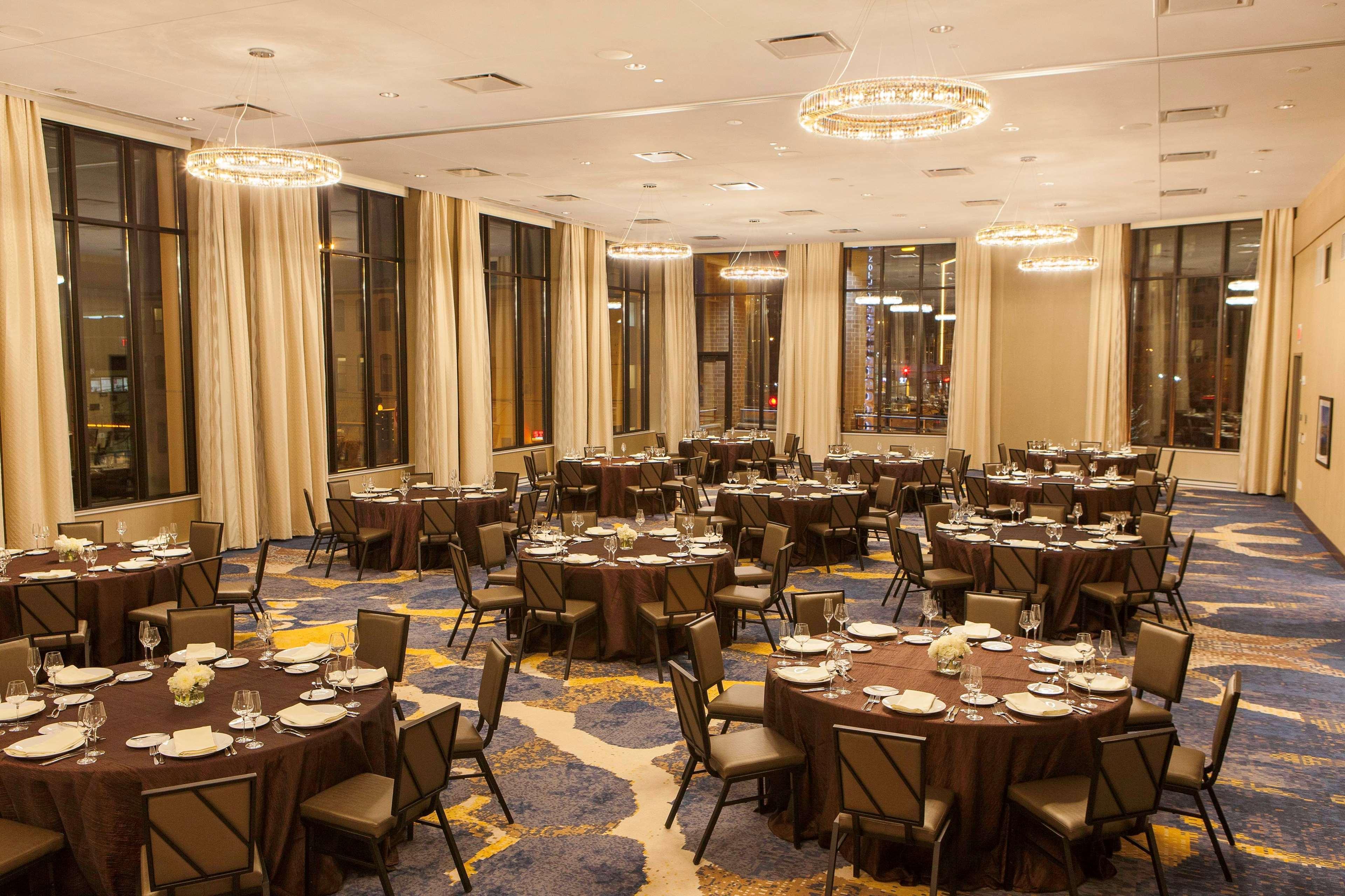 DoubleTree by Hilton Hotel Minneapolis - University Area image 5