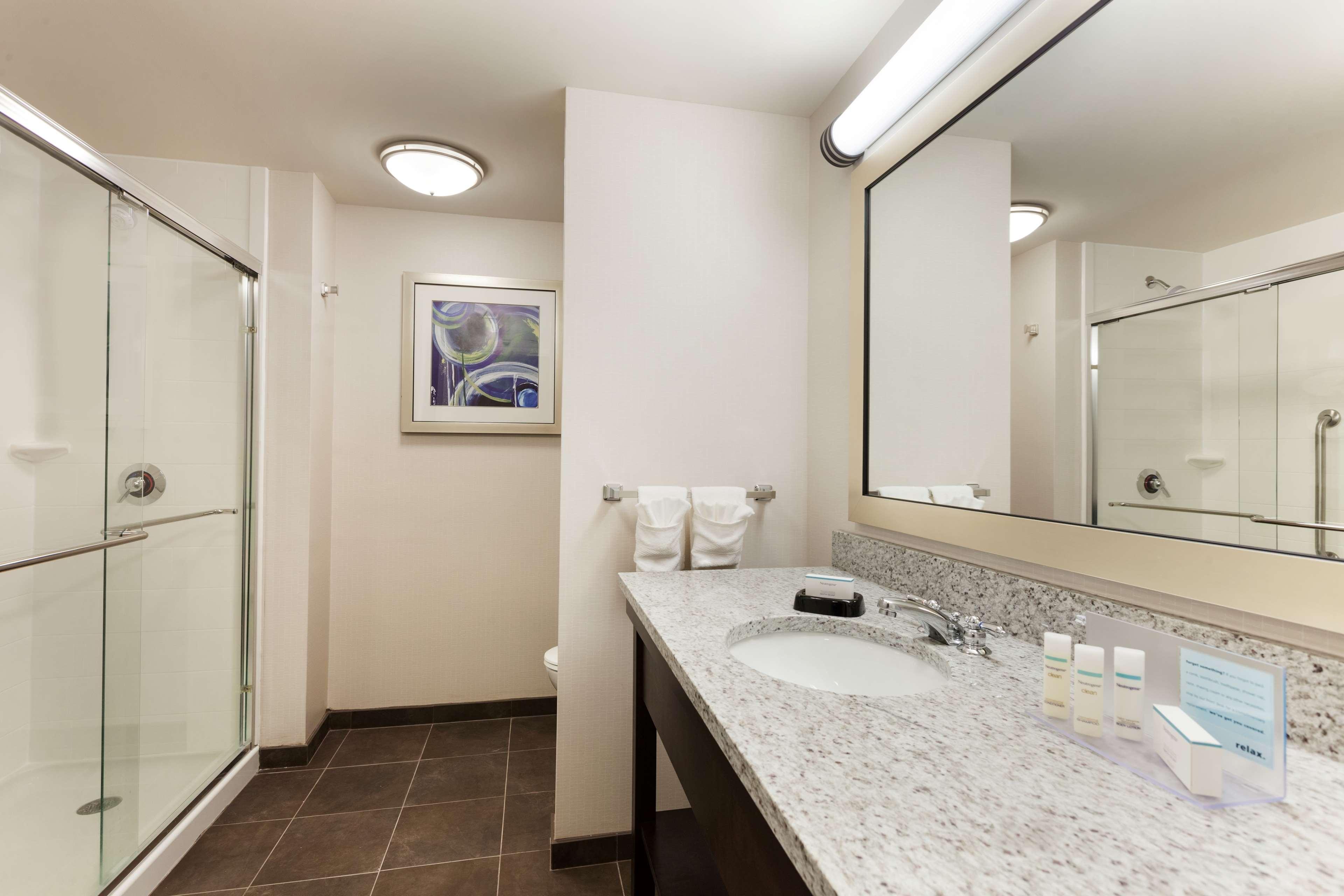 Hampton Inn & Suites Camp Springs/Andrews AFB image 10