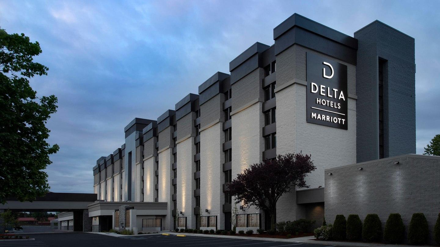 Delta Hotels by Marriott Seattle Everett image 0