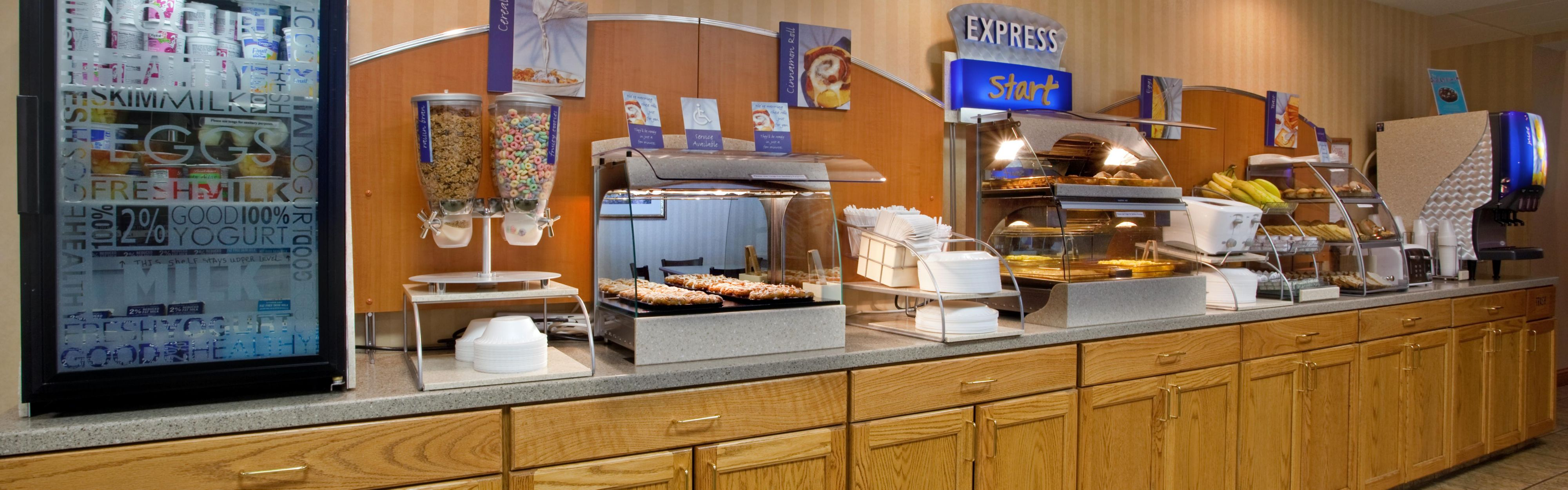 Holiday Inn Express Mt. Pleasant - Scottdale image 3