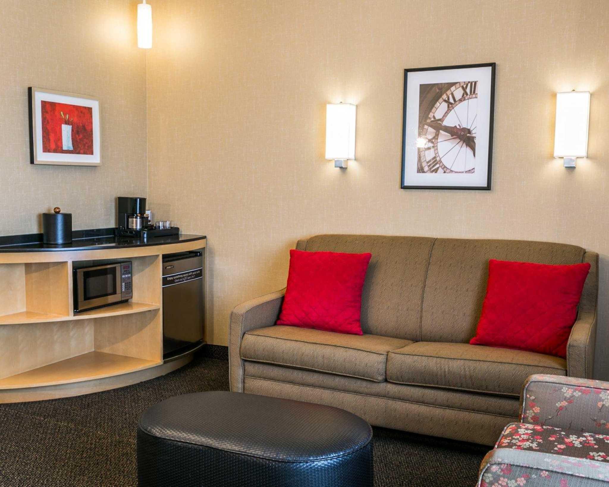 Cambria Hotel Denver International Airport image 23
