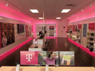 Interior photo of T-Mobile Store at N New Ballas Rd & Olive Blvd, Creve Coeur, MO