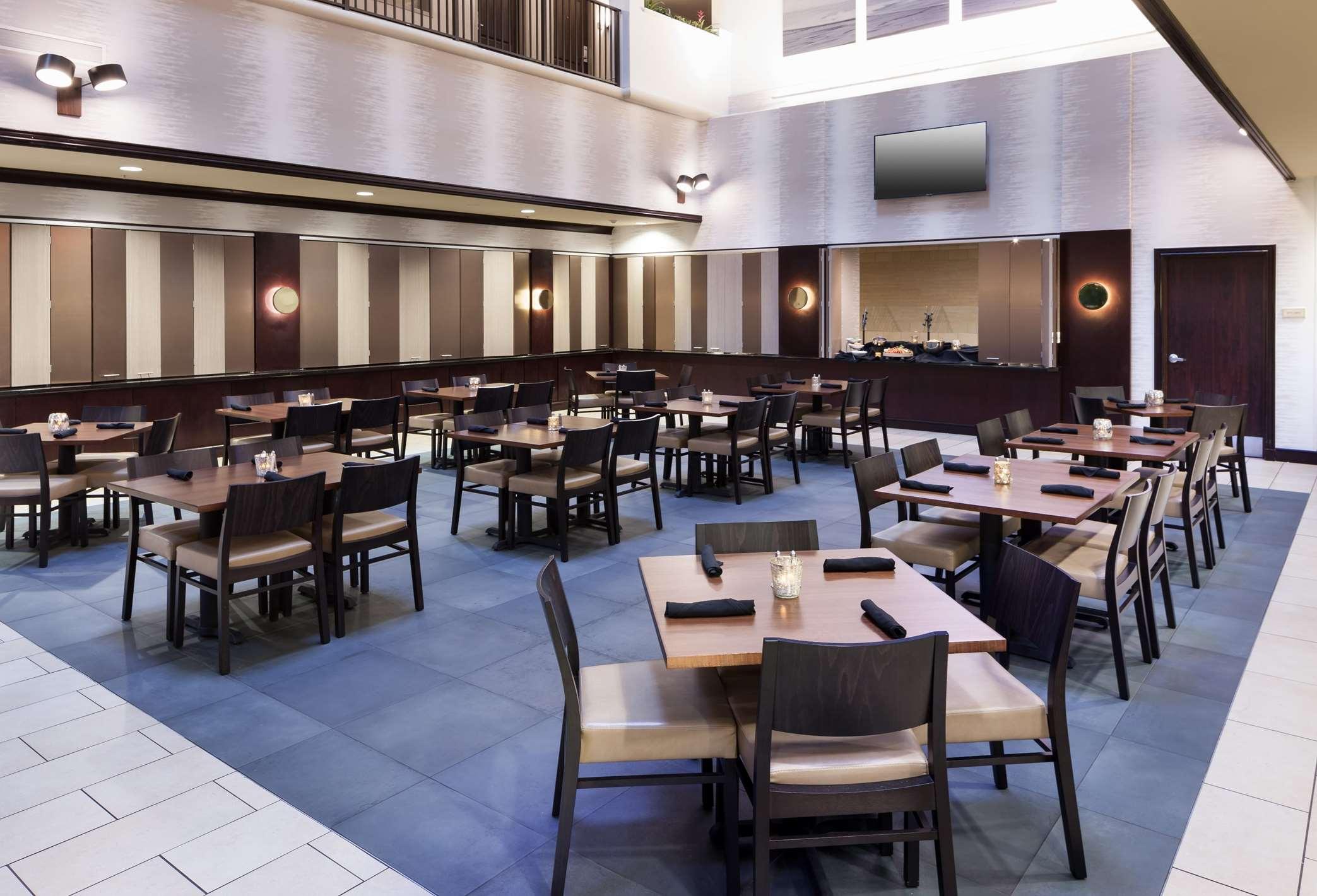 Embassy Suites by Hilton Tampa Brandon image 6