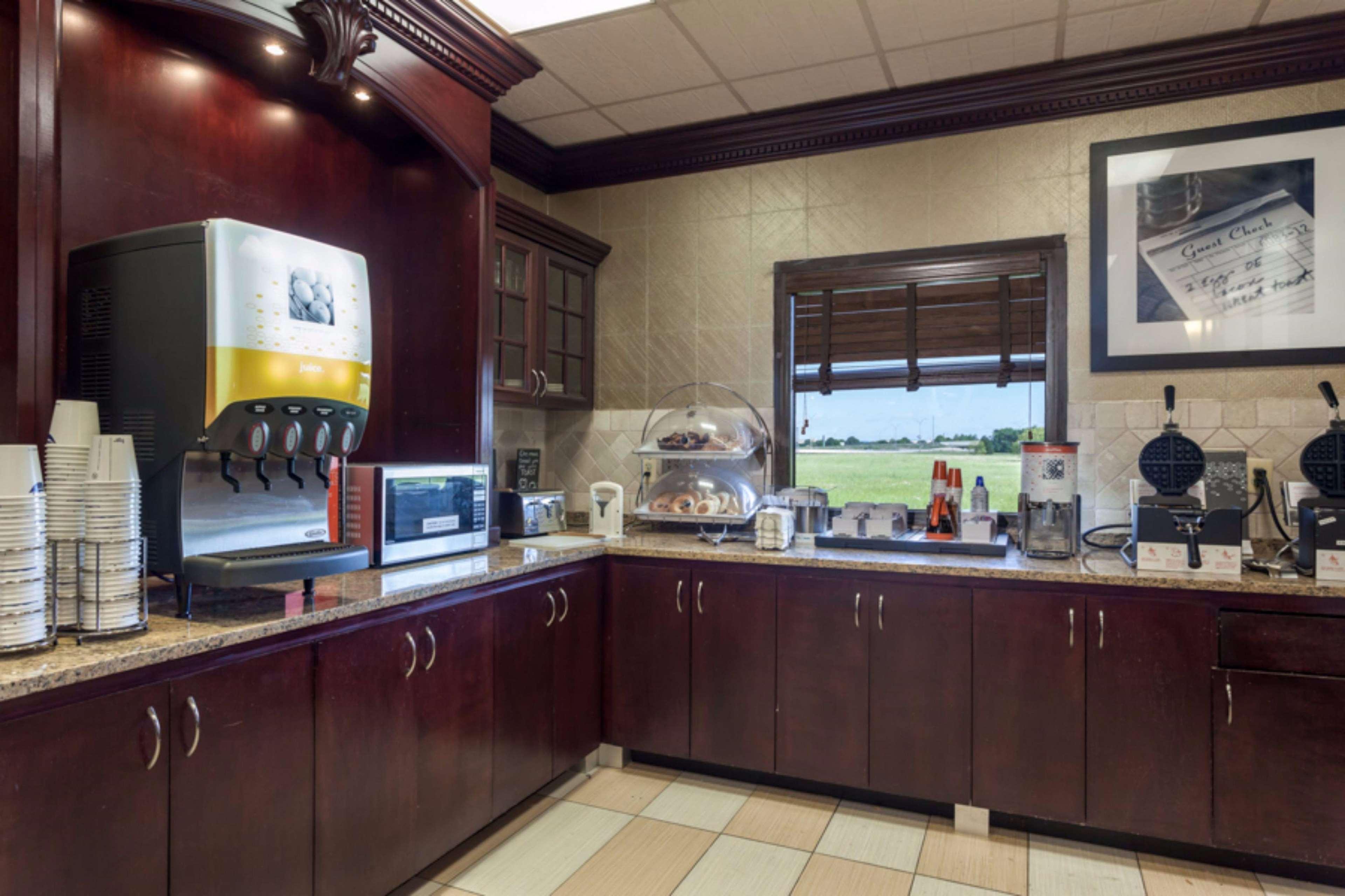 Hampton Inn & Suites Dallas-DFW Airport North-Grapevine in Grapevine, TX, photo #11