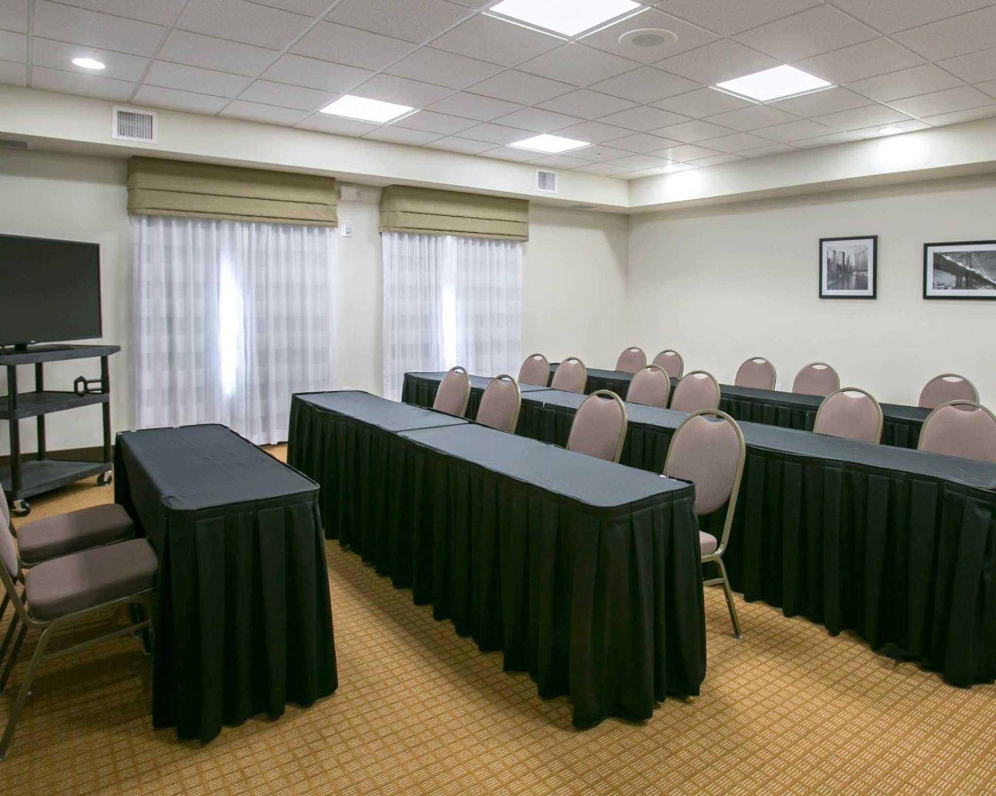 Sleep Inn & Suites Austin - Northeast image 12