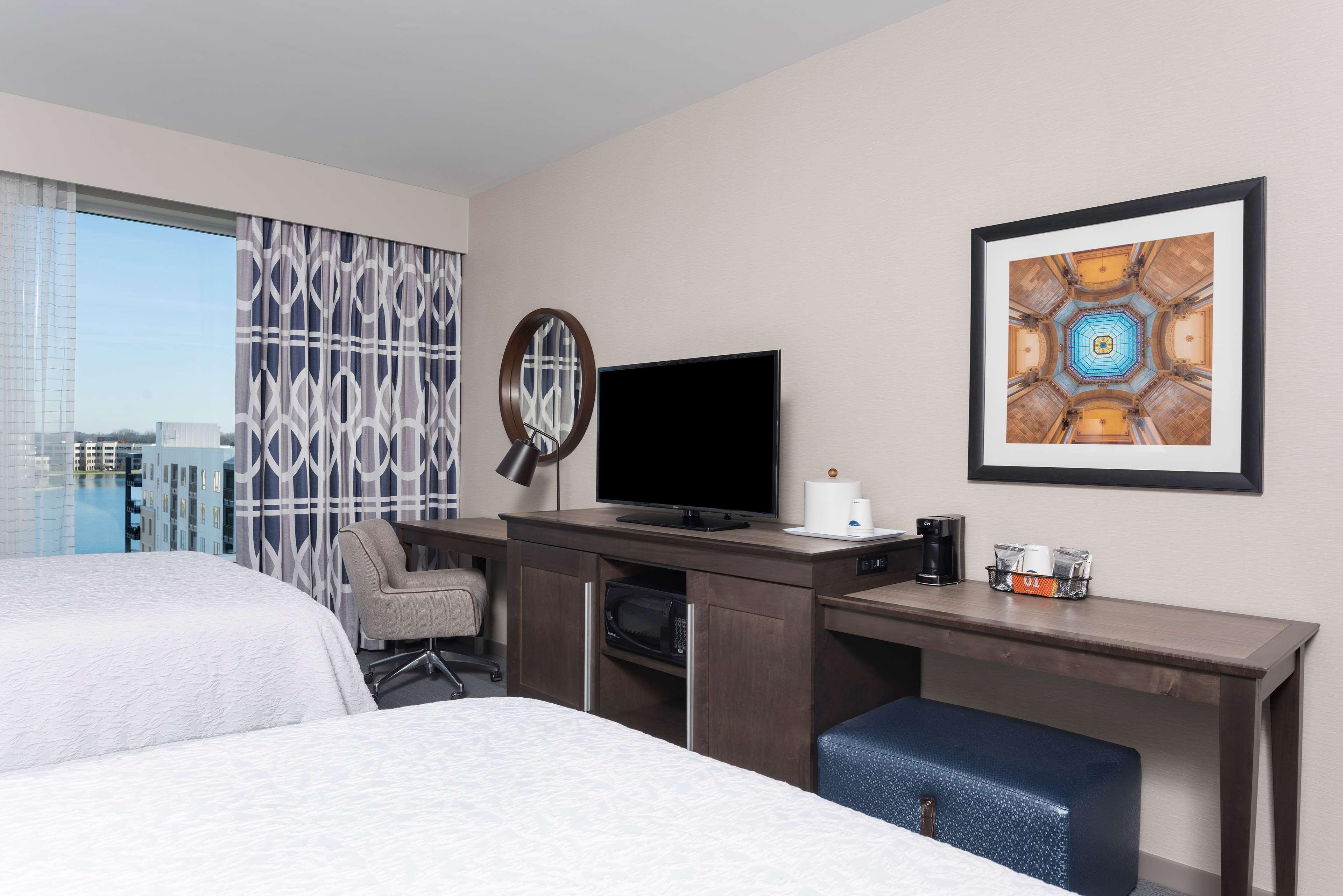 Hampton Inn & Suites Indianapolis-Keystone image 36