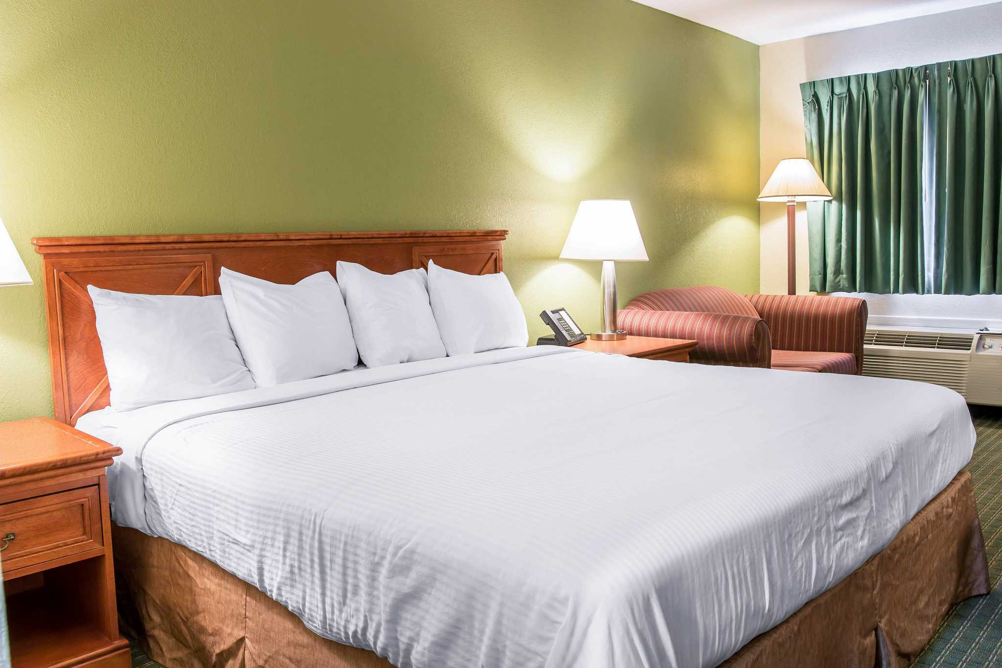 Serendipity Bed And Breakfast And Suites