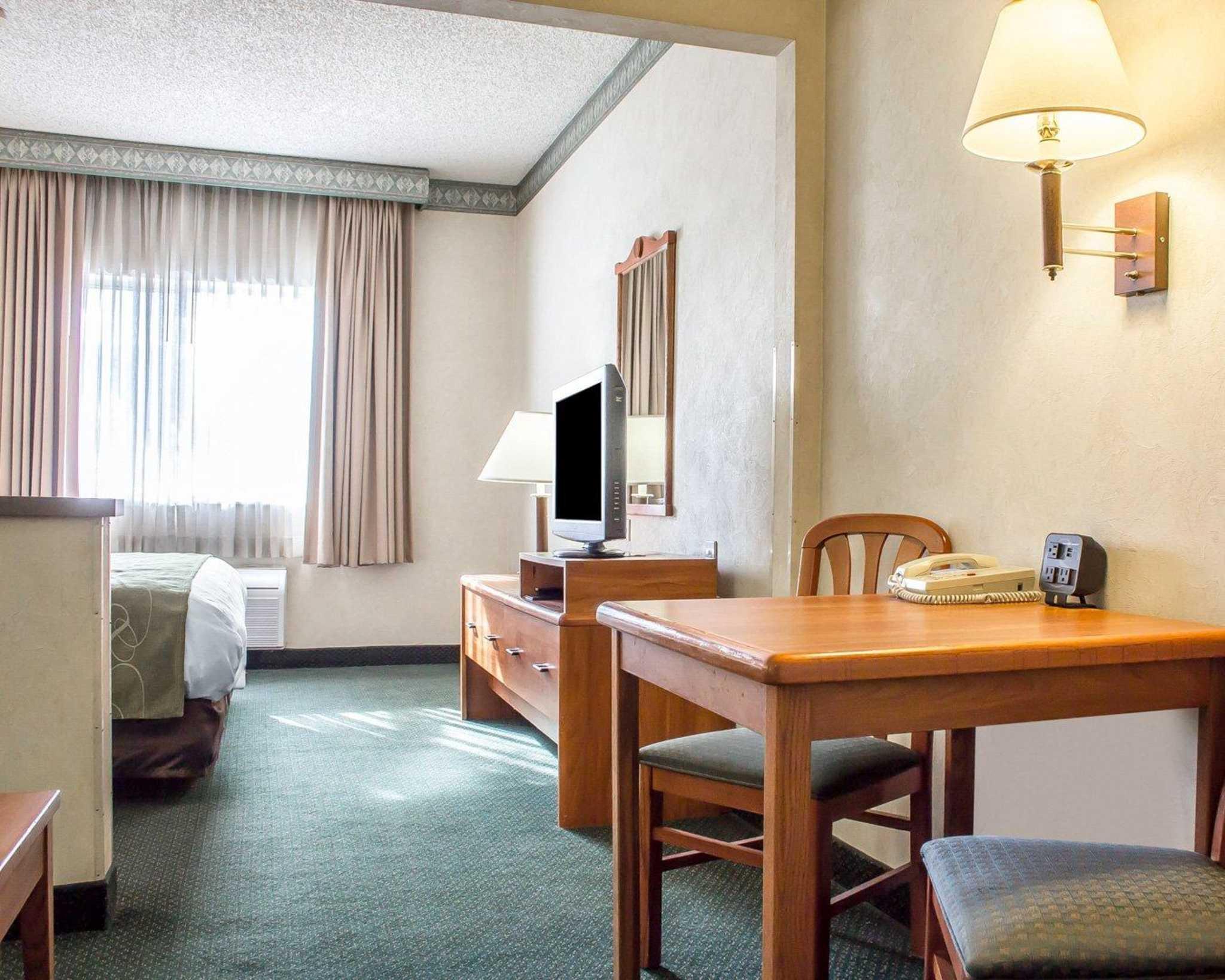 Comfort Suites Phoenix North image 22