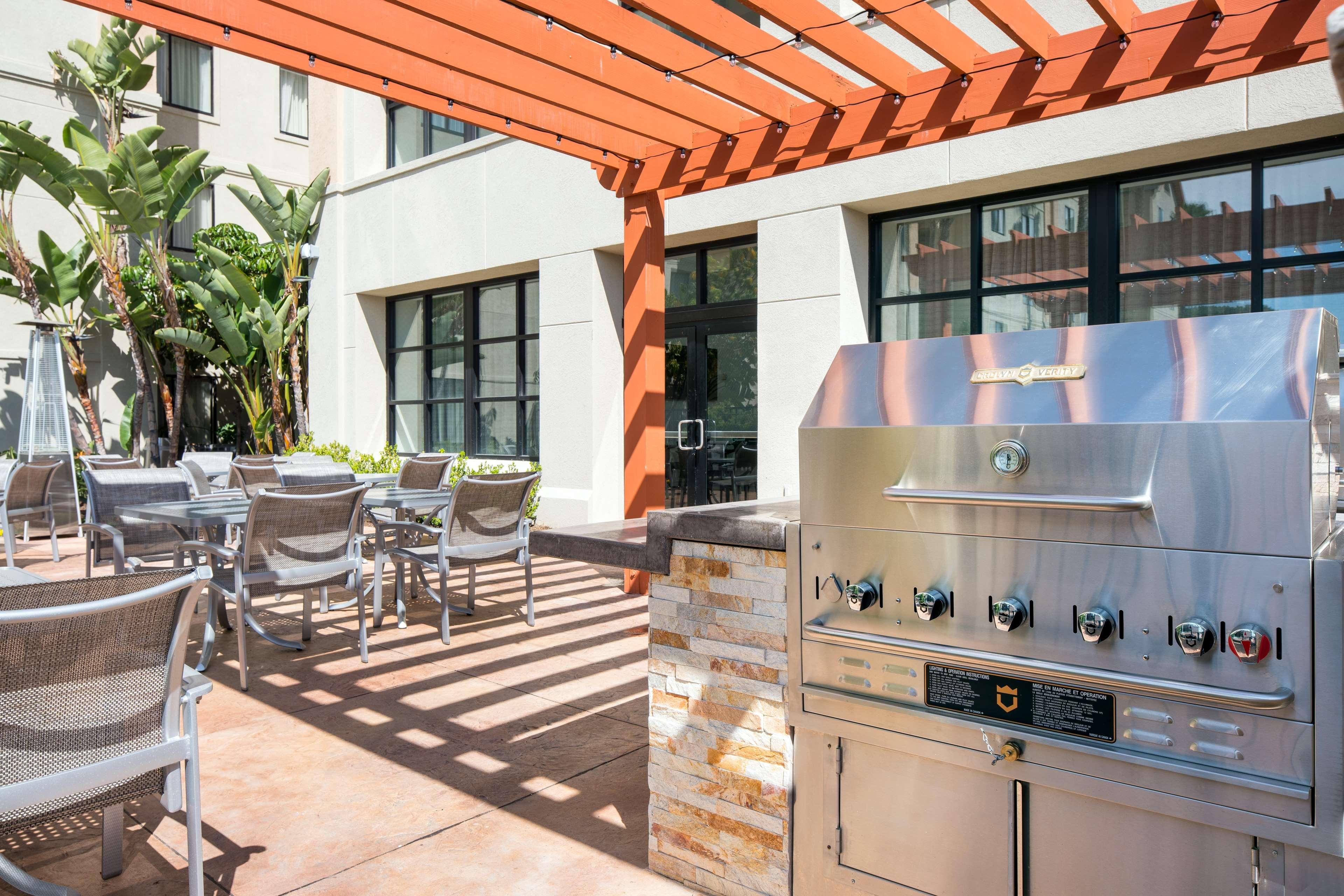 Homewood Suites by Hilton Anaheim-Main Gate Area image 1