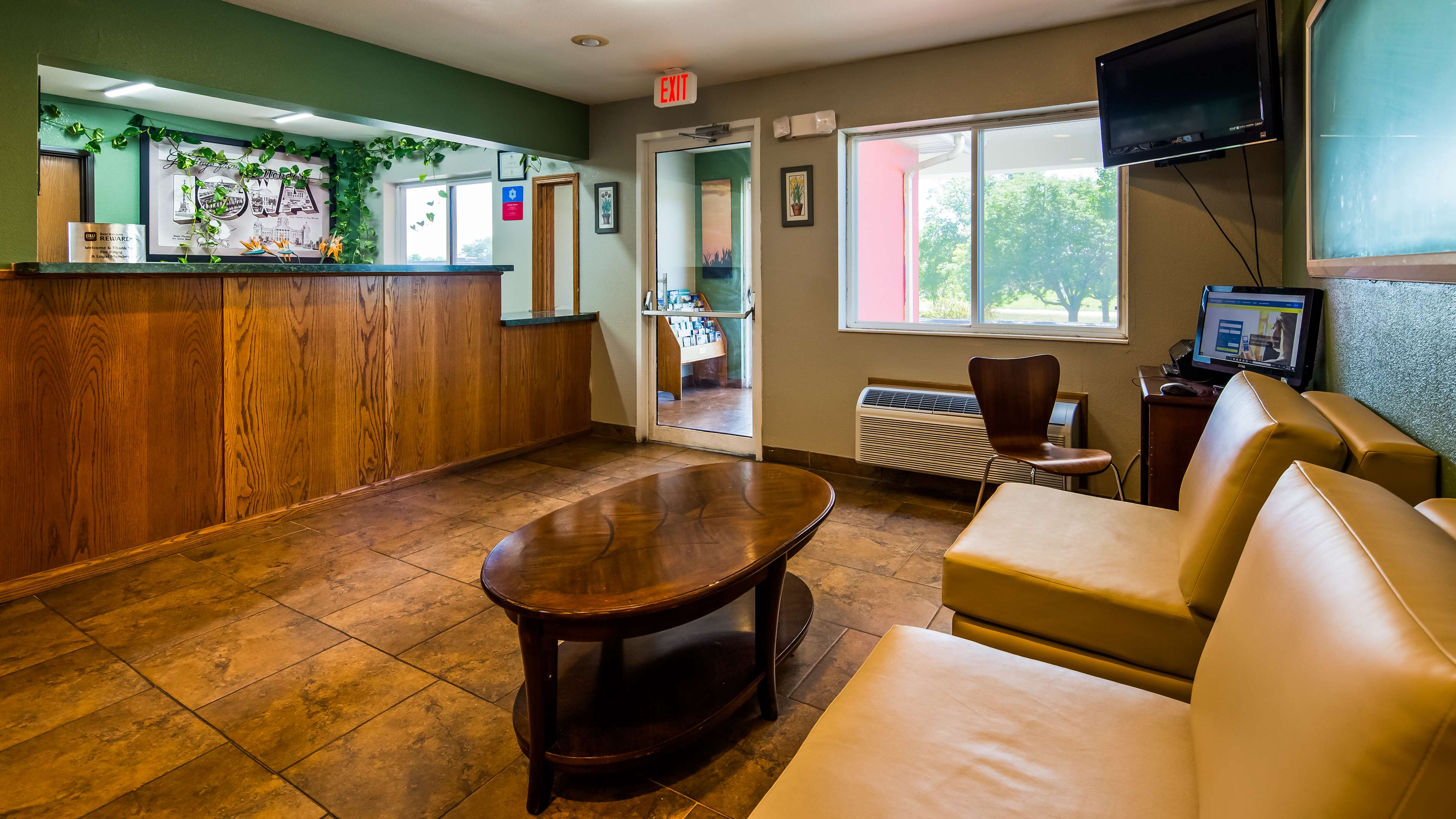 SureStay Plus Hotel by Best Western Bettendorf image 6