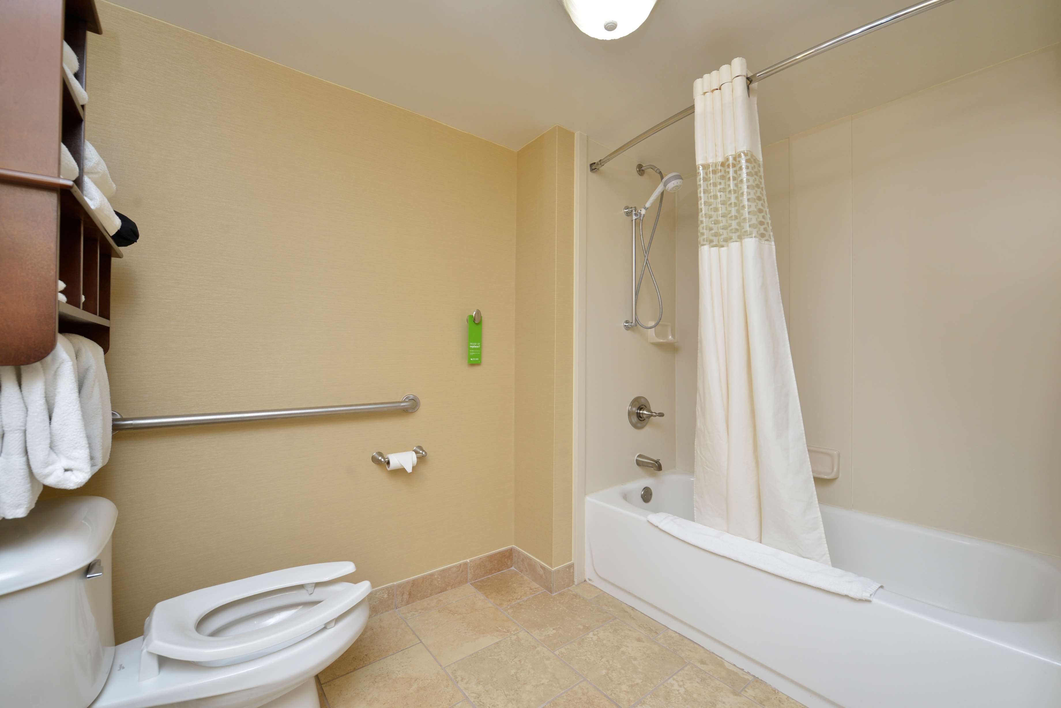 Hampton Inn East Aurora image 30